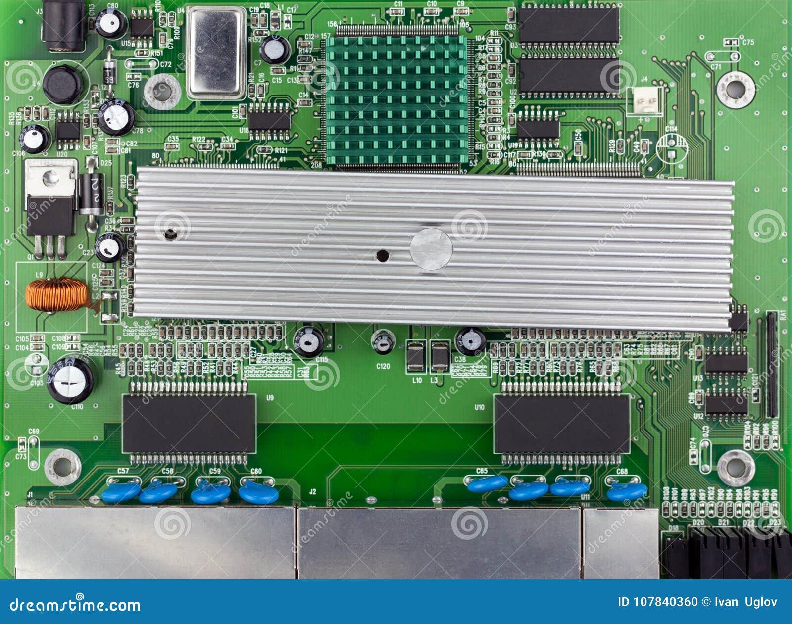 Vue supérieure de conseil de vert de commutateur d Ethernet, carte PCB verte utilisée