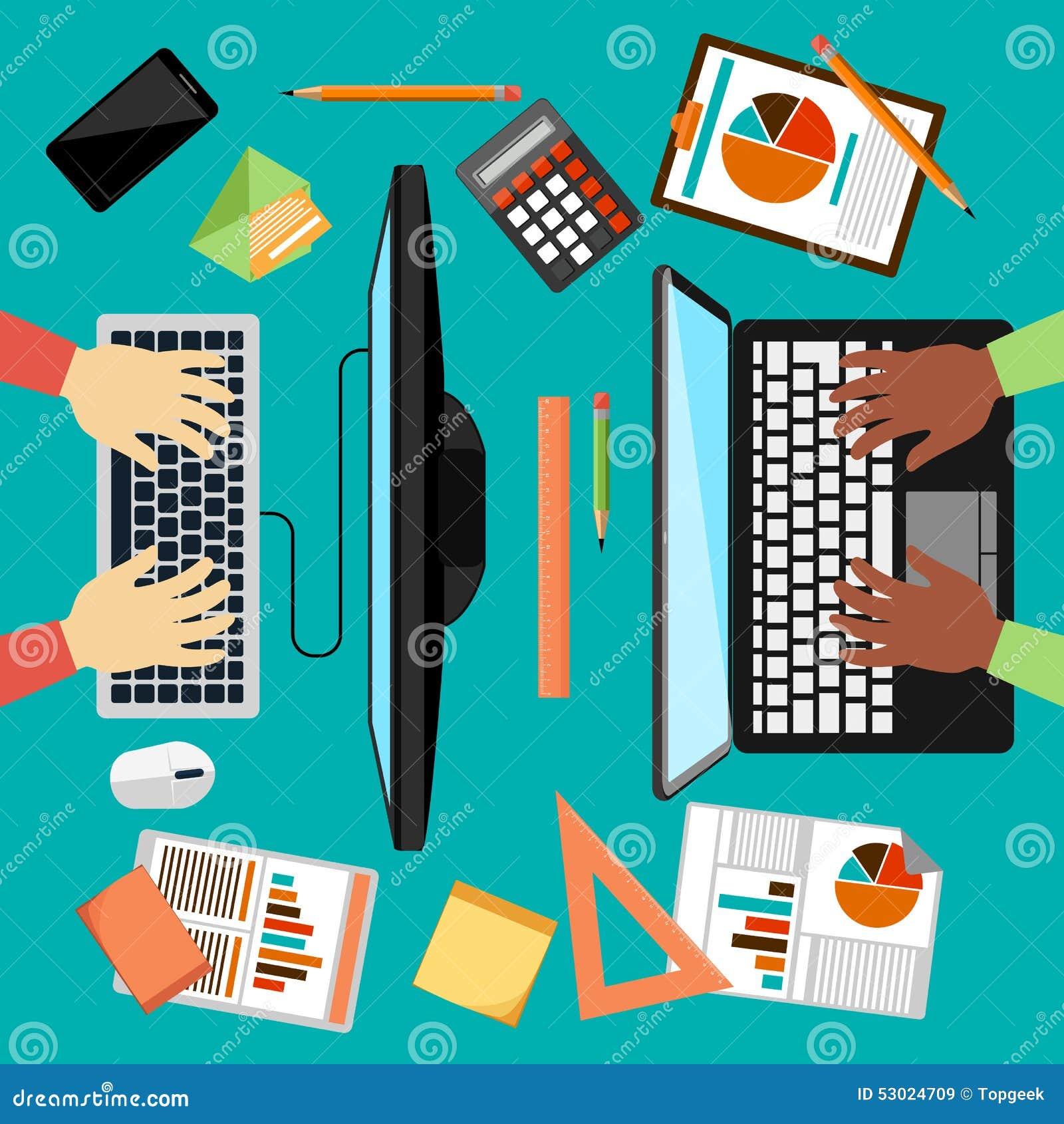 Vue supérieure de lieu de travail avec l ordinateur portable et les dispositifs