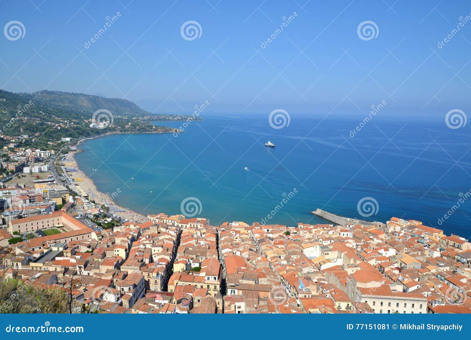 Vue sur Cefalu sur la Sicile, Italie