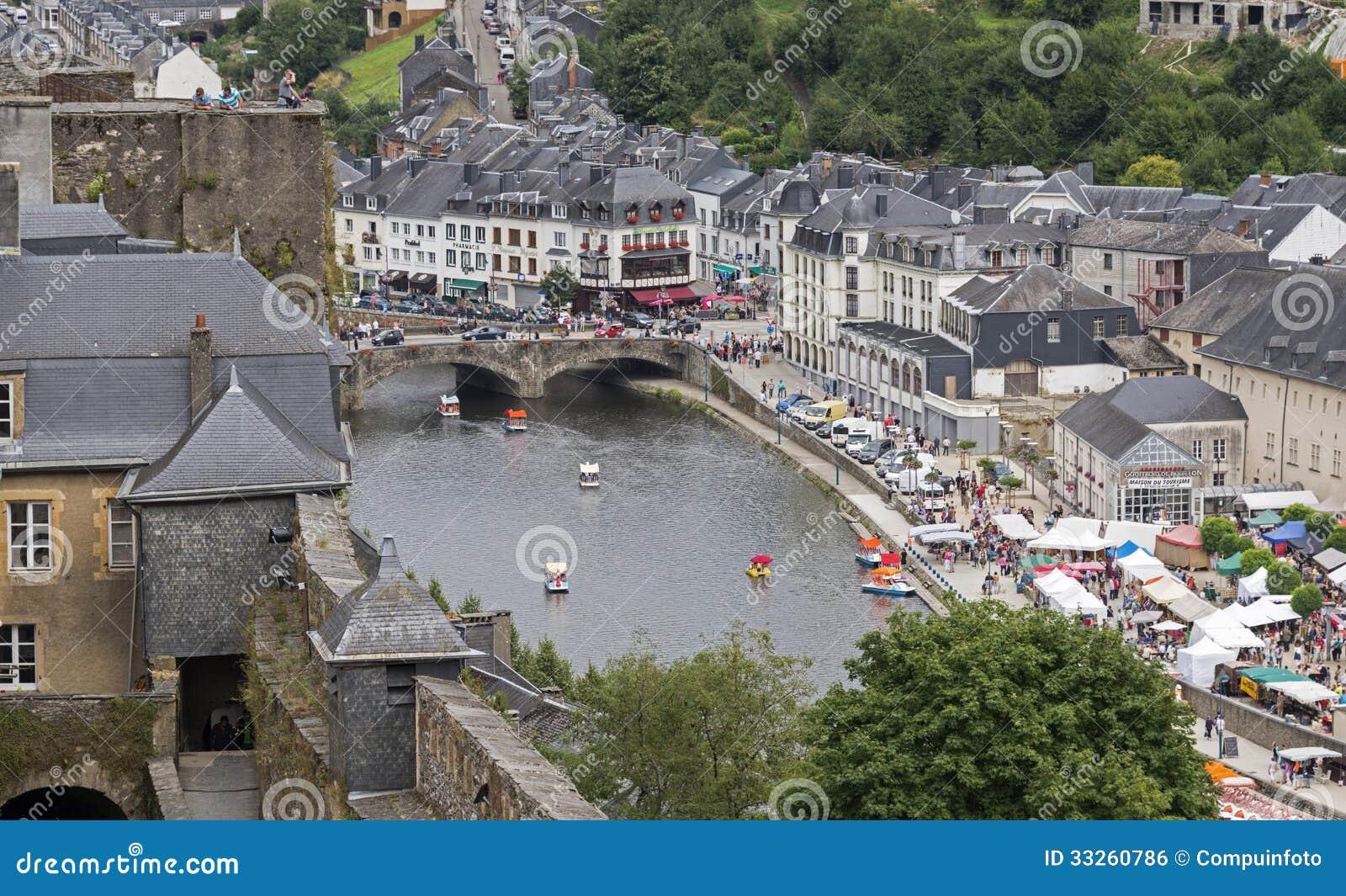 Vue sur le bouillon de ville de la belgique photo for Piscine mantes la ville