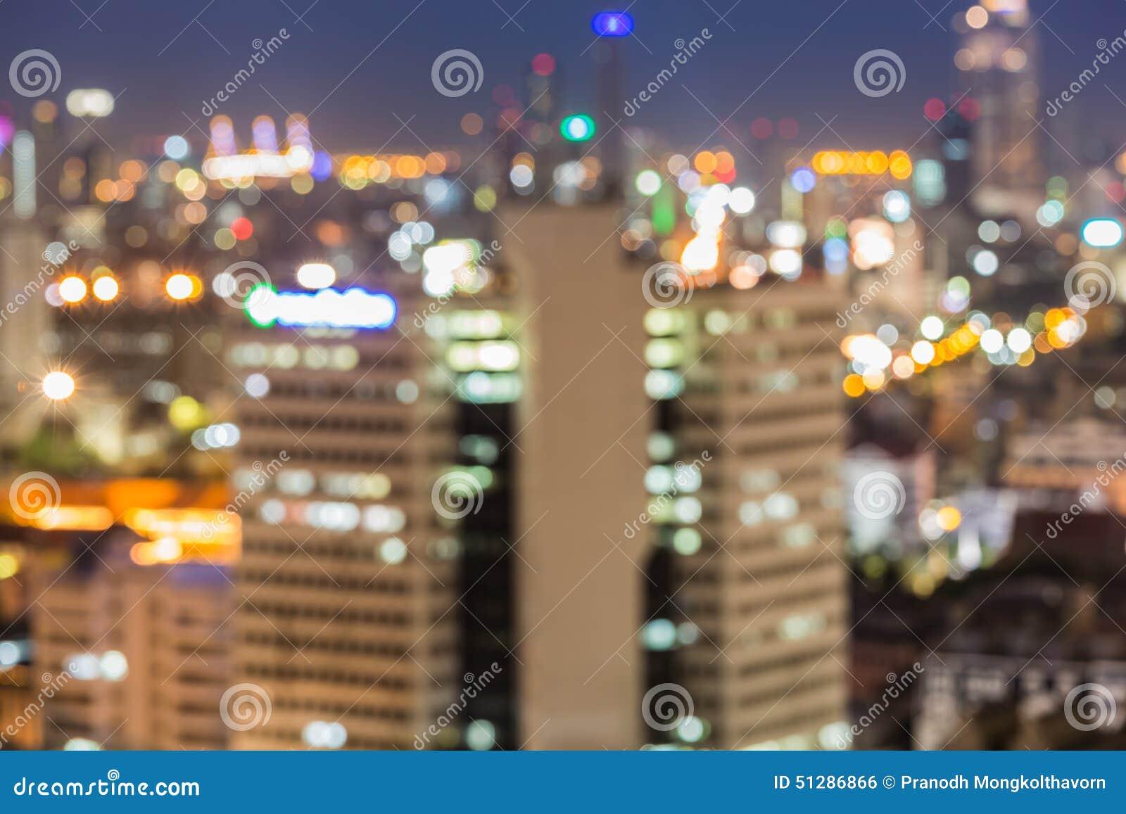 Vue unfocused brouillée de ville la nuit, Bangkok Thaïlande