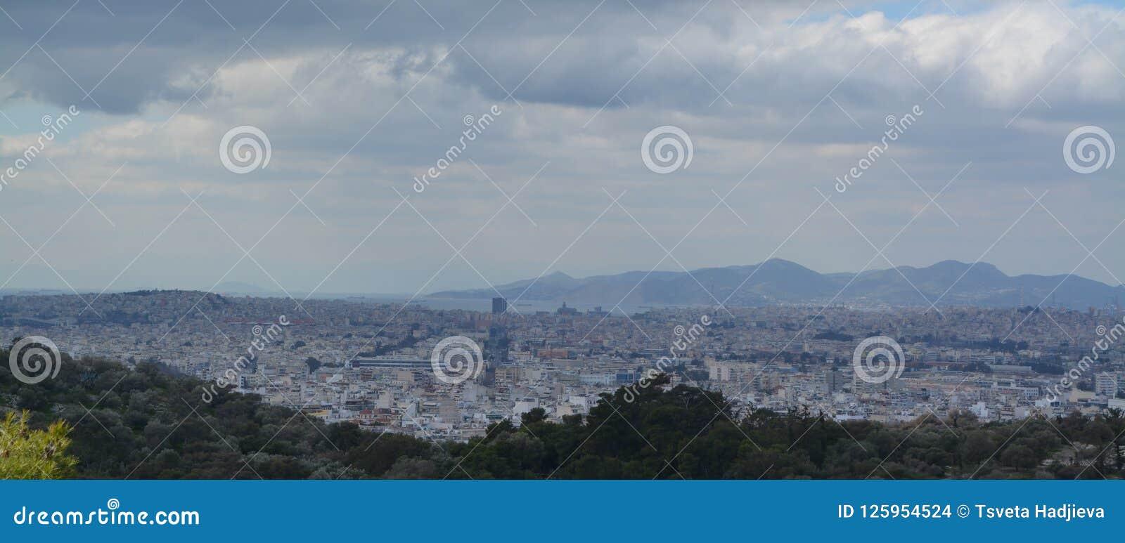 Vue vers Athènes d en haut