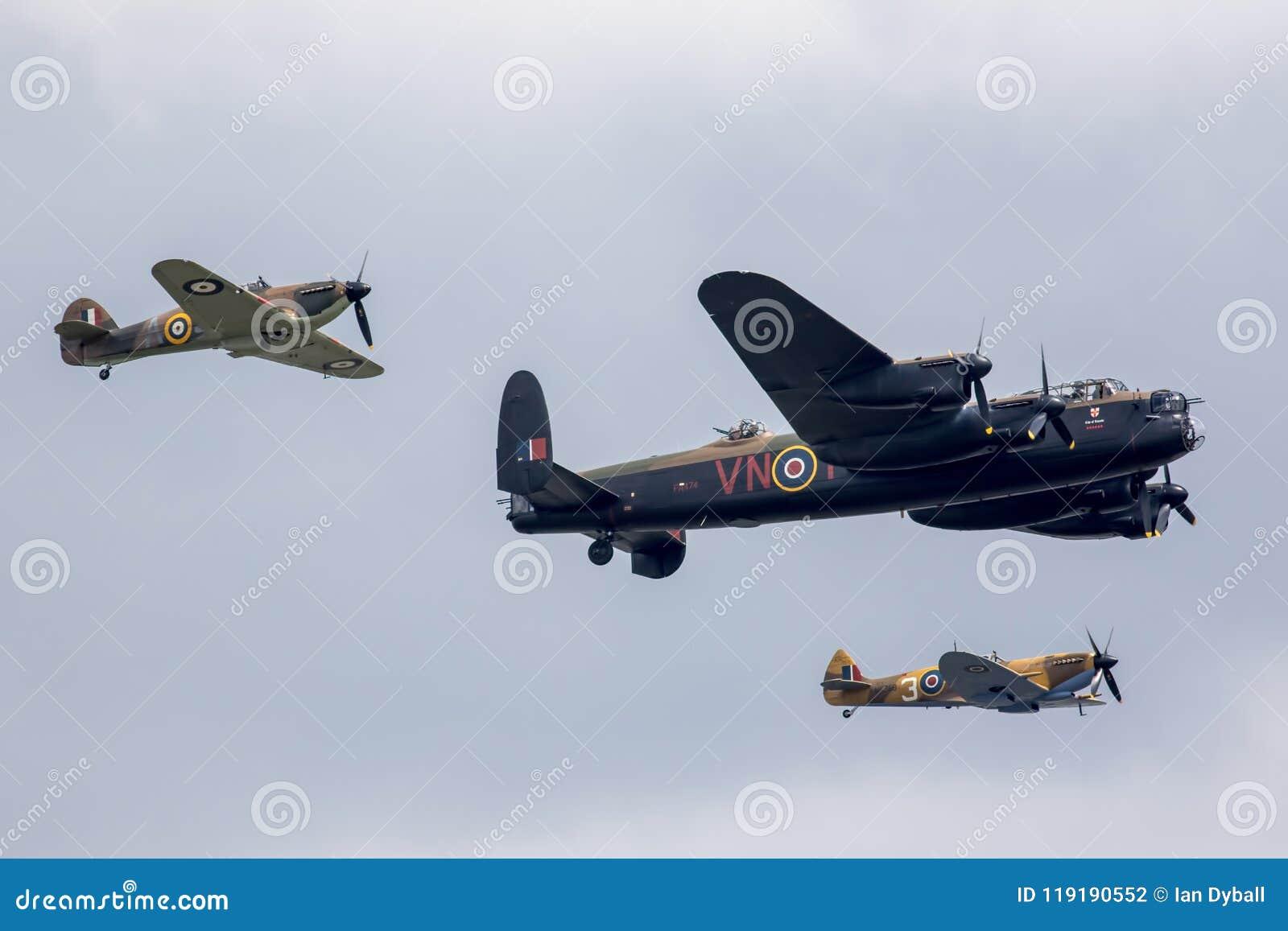 Vuelo conmemorativo de la batalla de Inglaterra en el salón aeronáutico 201 de Great Yarmouth