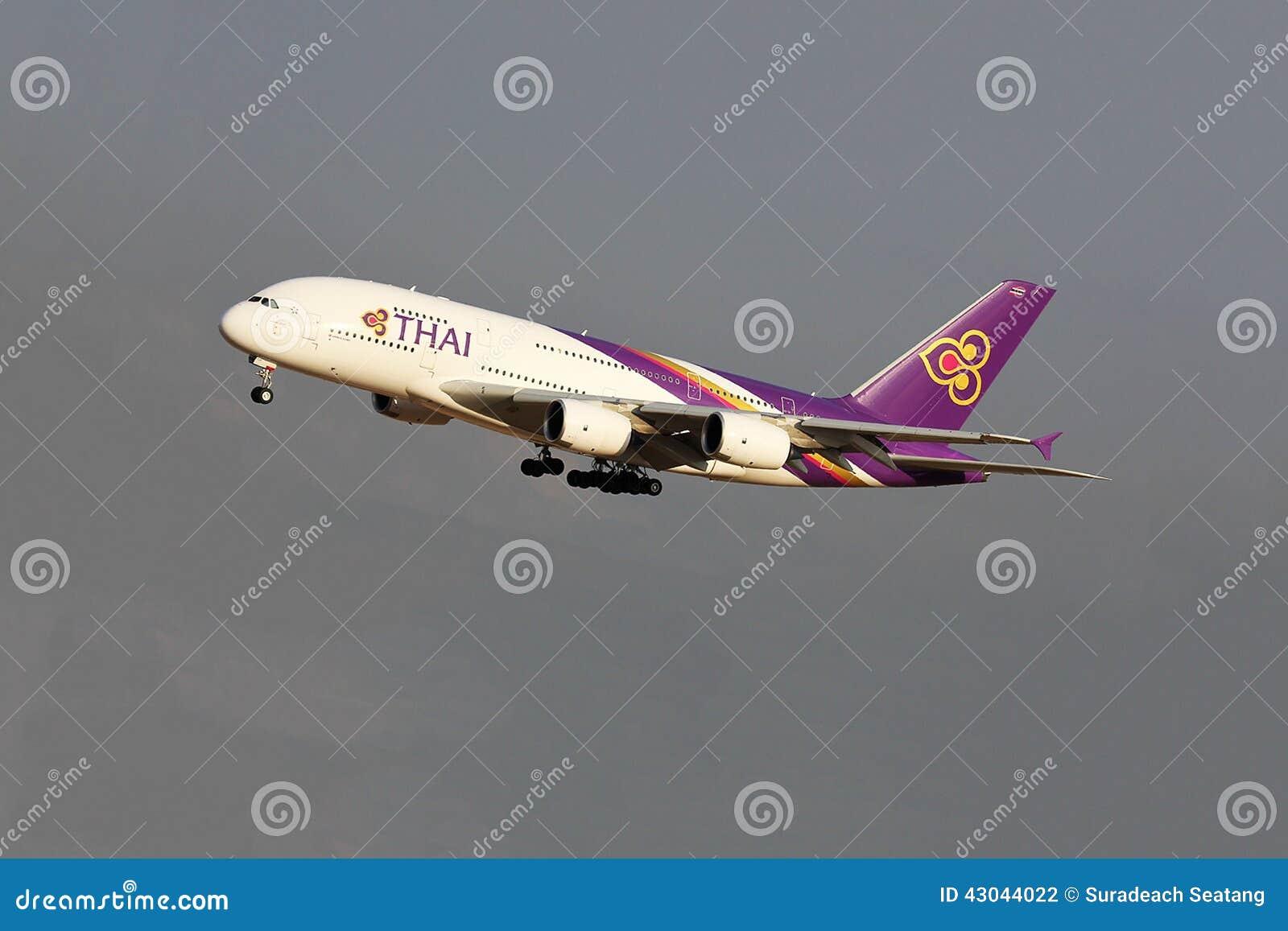 Vuelo del avión de Thai Airways