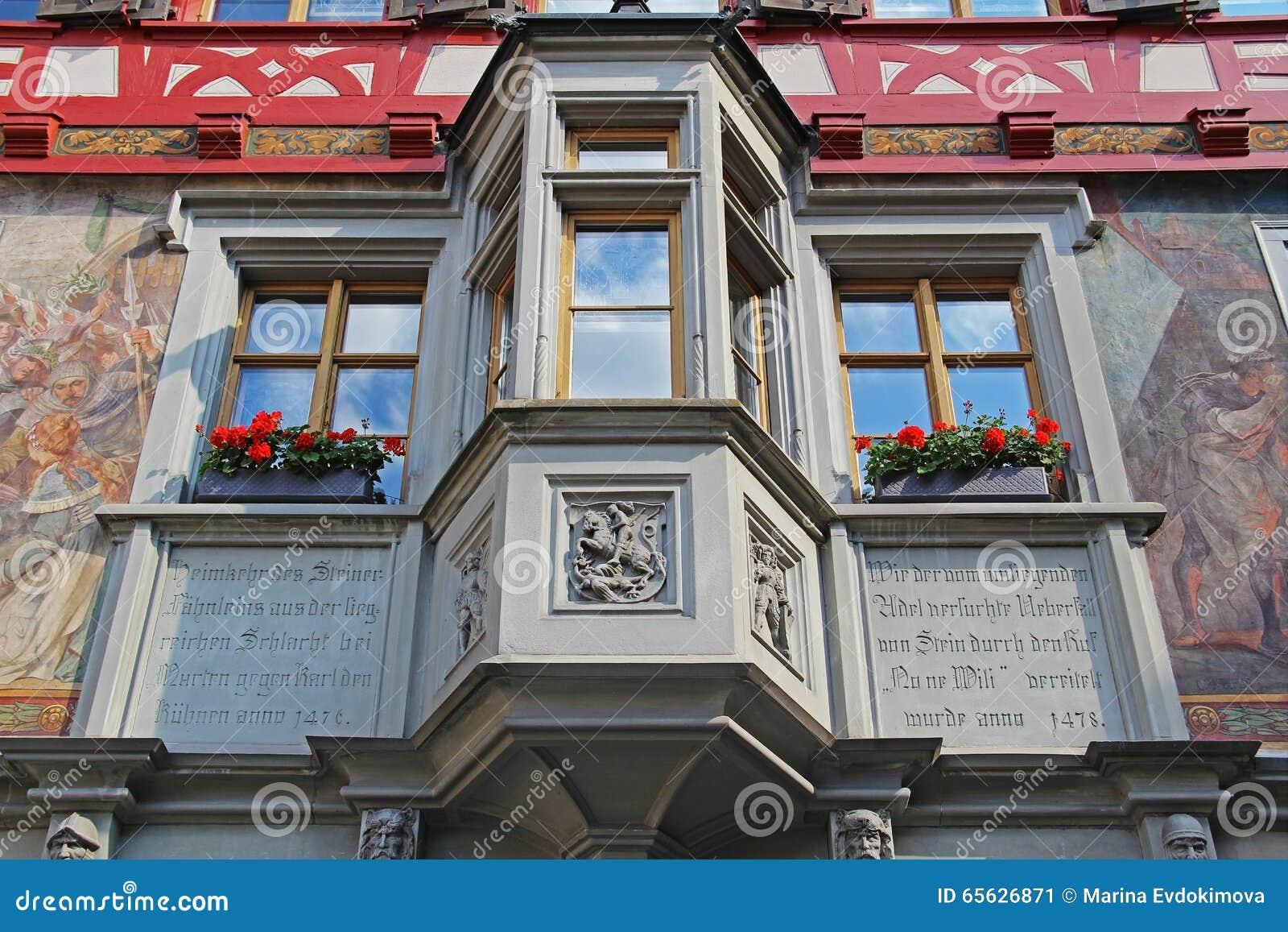 Vues magnifiques des bâtiments du centre Chope en grès-être-rhein, Suisse