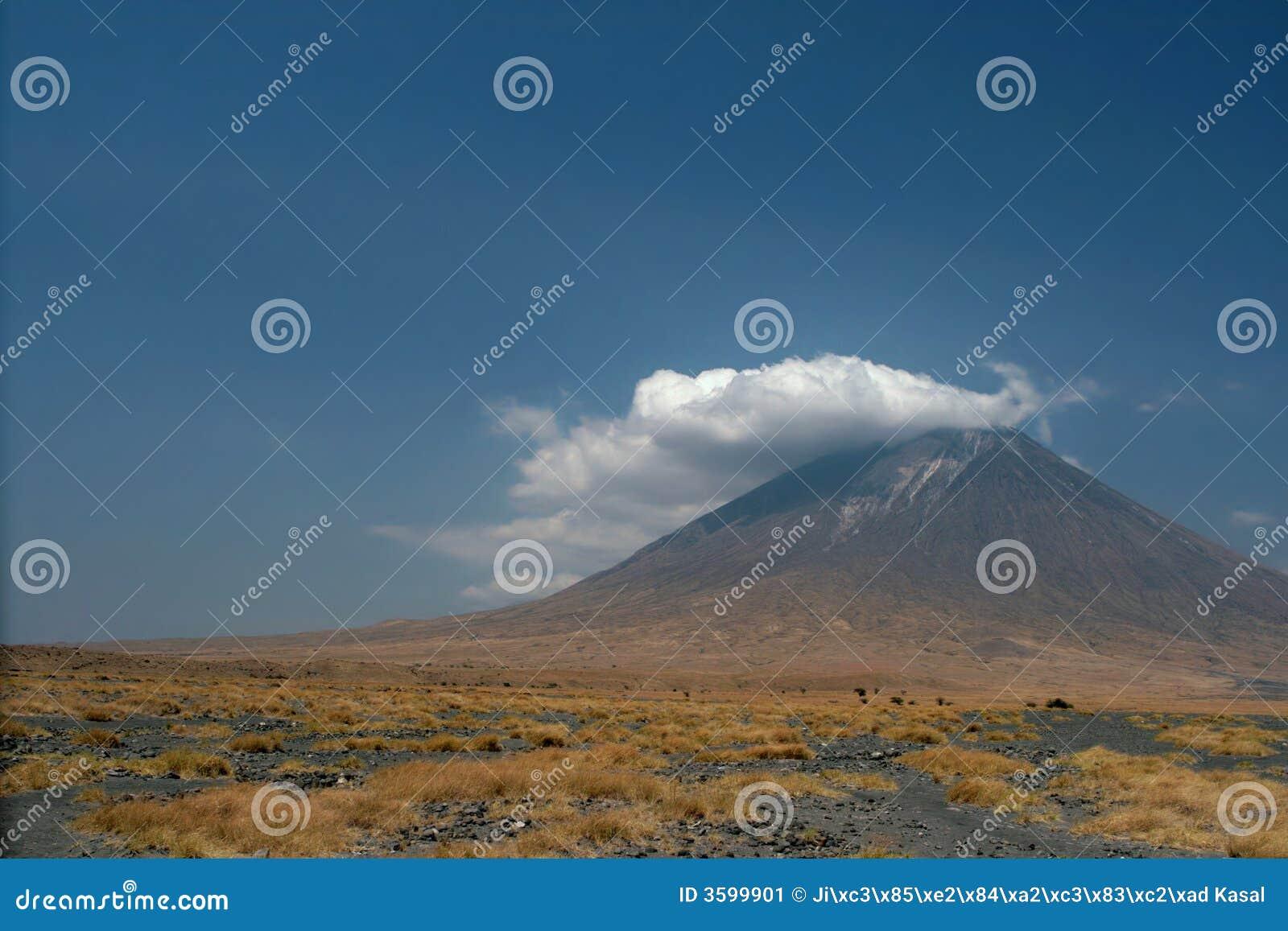 Vulcão Lengai em Tanzânia, África