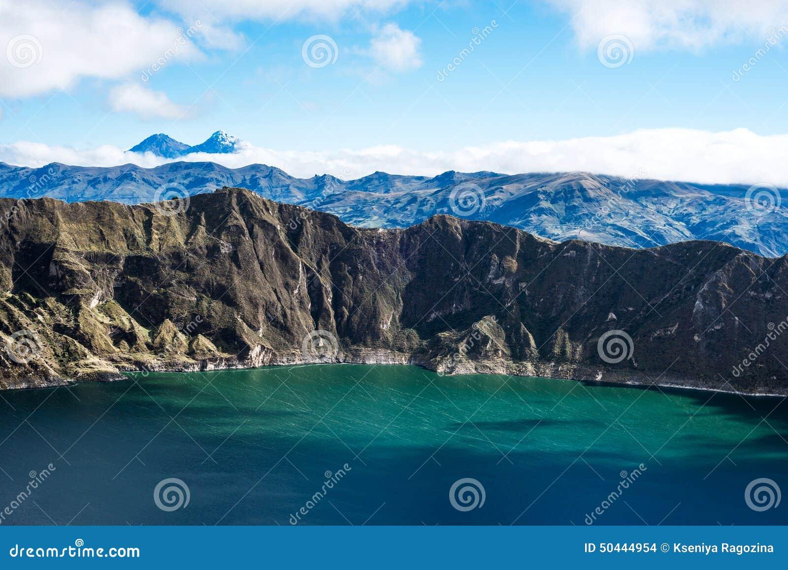 Vulcani sotto la laguna di Quilotoa, le Ande di Ilinizas l ecuador