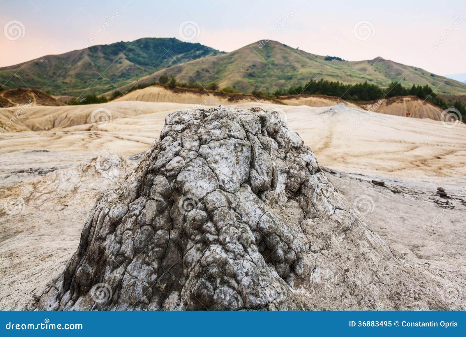 Download Vulcano del fango immagine stock. Immagine di fango, piccolo - 36883495