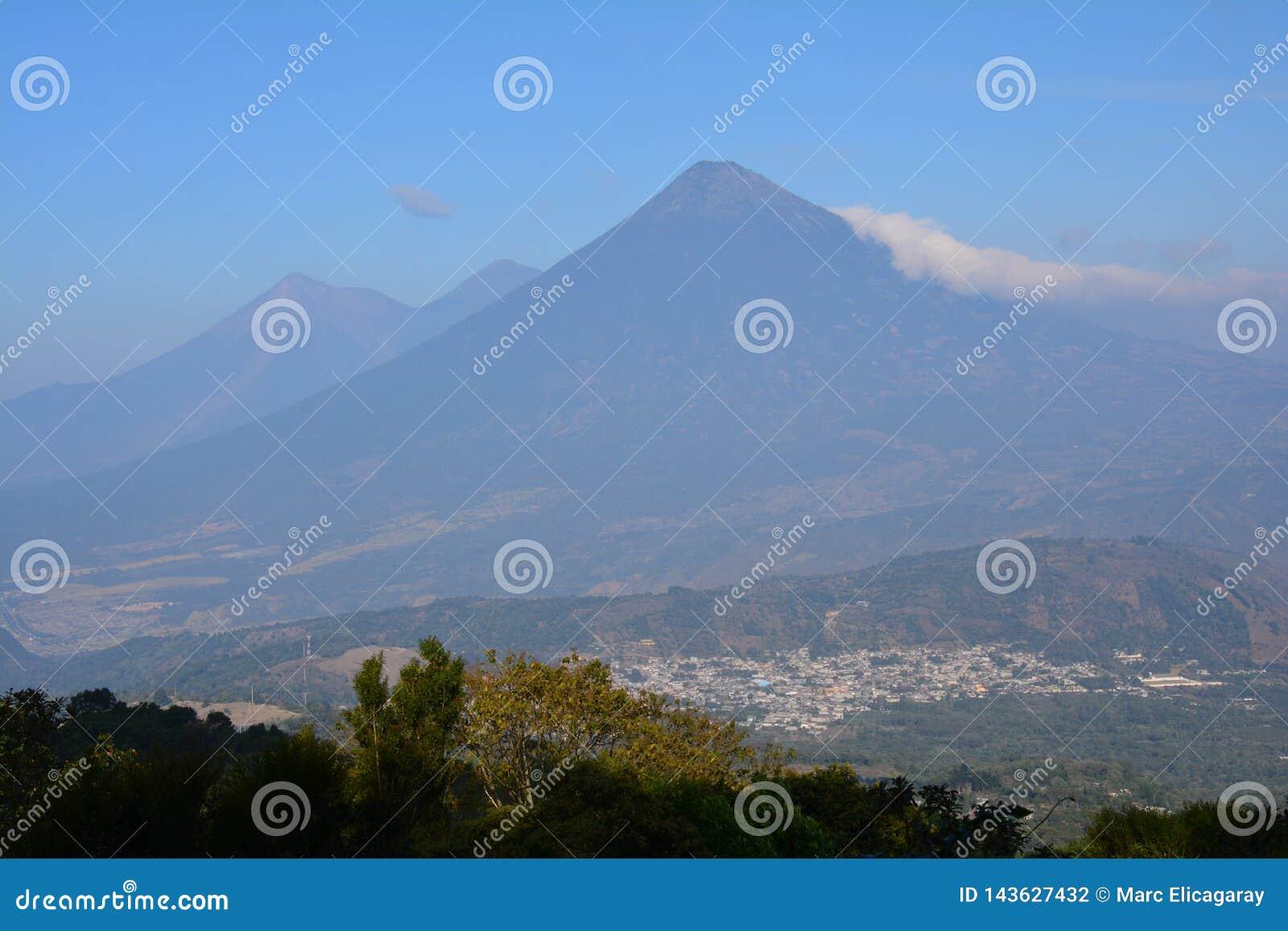 Vulcano di Pacaya vicino all Antigua Guatemala