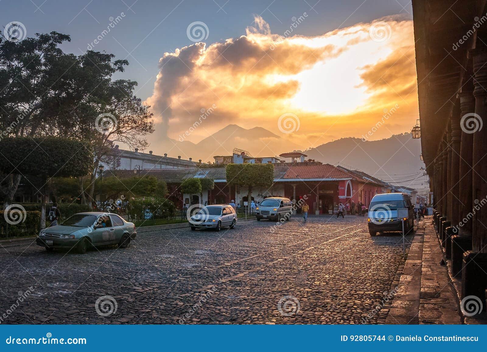 Vulcano sunset from the street level