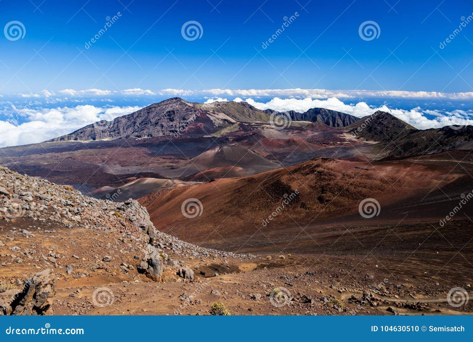 Download Vulkanische Krater Bij Het Nationale Park Van Haleakala Op Het Eiland Maui, Hawaï Stock Foto - Afbeelding bestaande uit nave, panorama: 104630510