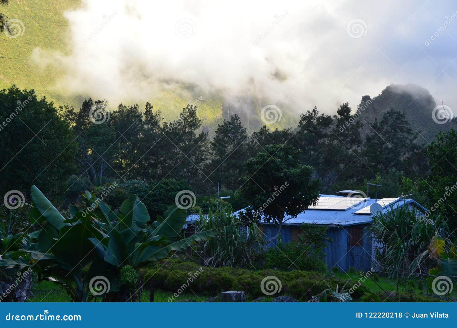 Vulkanischer Kessel Mafate in der Insel von Réunion