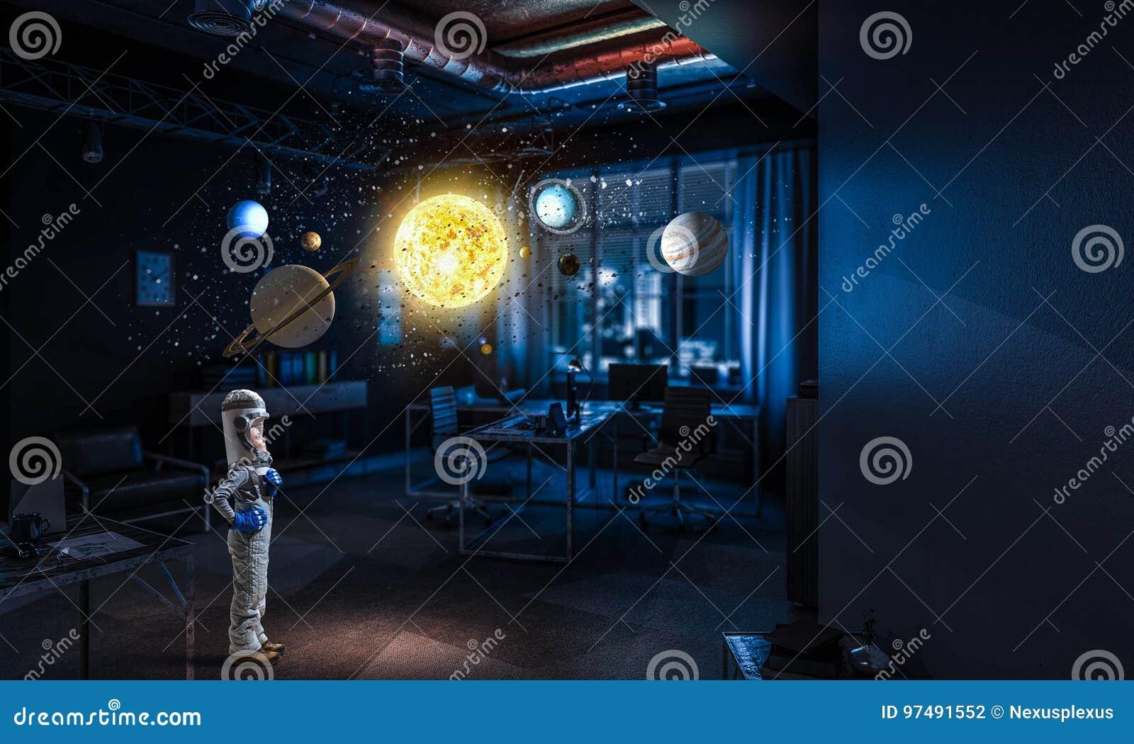 Vuole diventare astronauta Media misti