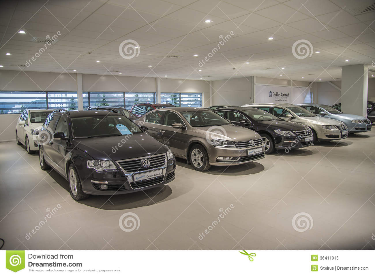 Used Cars For Sale Stock Image Image Of Cars License: VW Used Cars For Sale Editorial Image. Image Of Halden