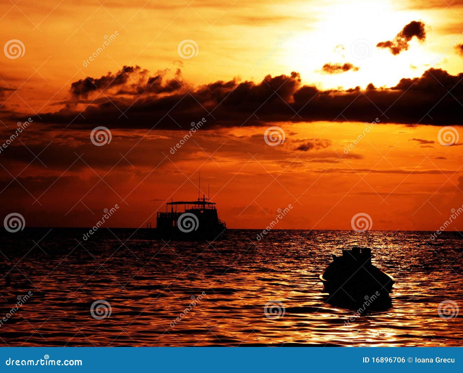 Wärmen Sie Sonnenuntergang