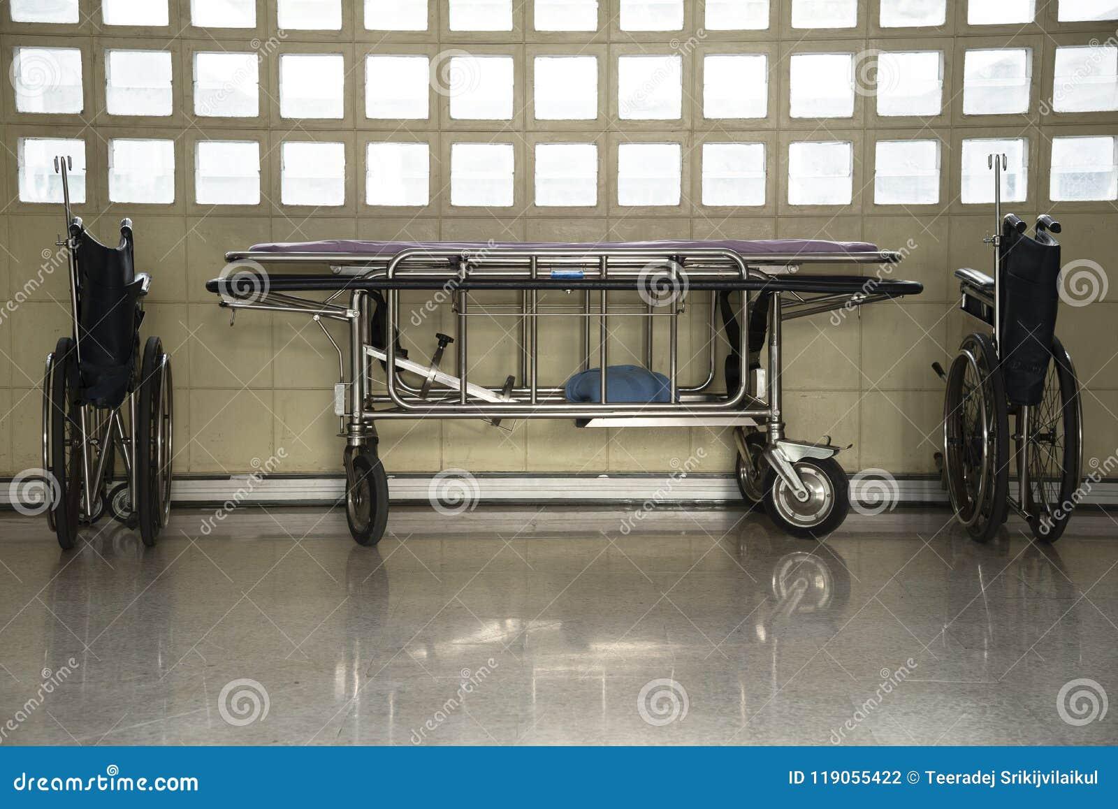 Wózki inwalidzcy i strtcher parking w budynku
