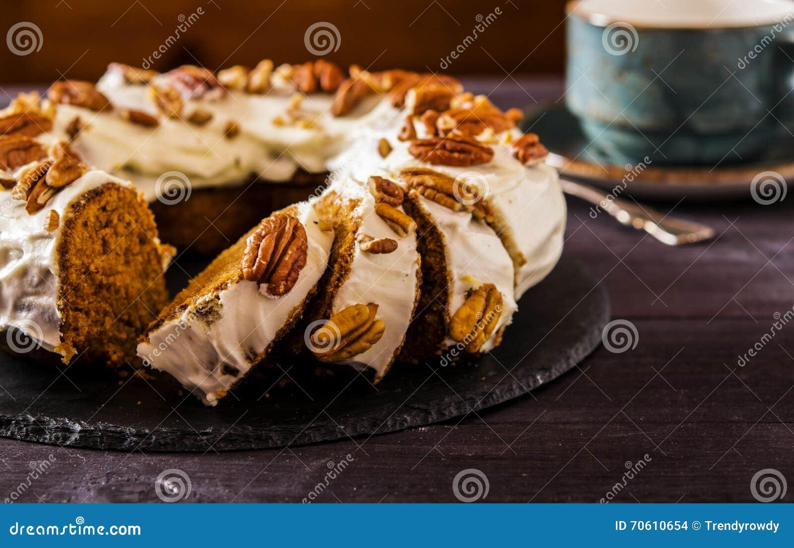 Wurziger Karotte Orange Kuchen Stockfoto Bild Von Nahrhaft Sahne