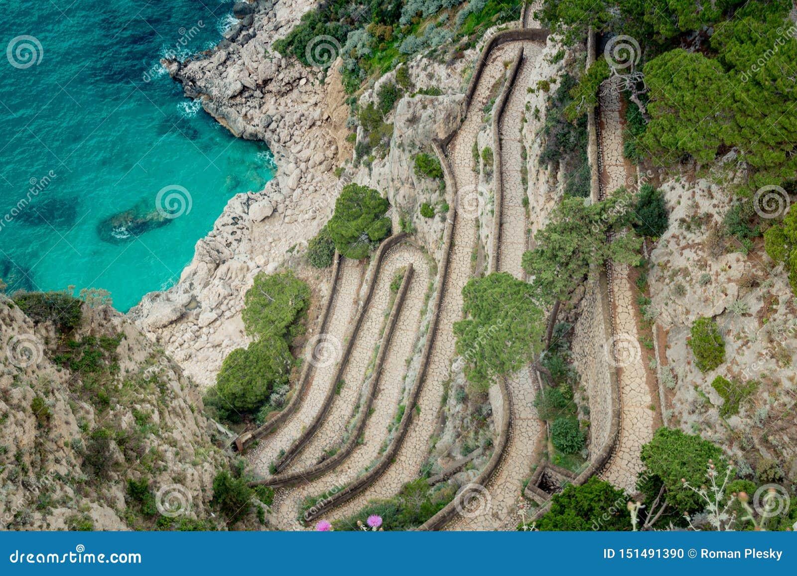 Wężowata ścieżka Przez Krupp w Capri, Włochy