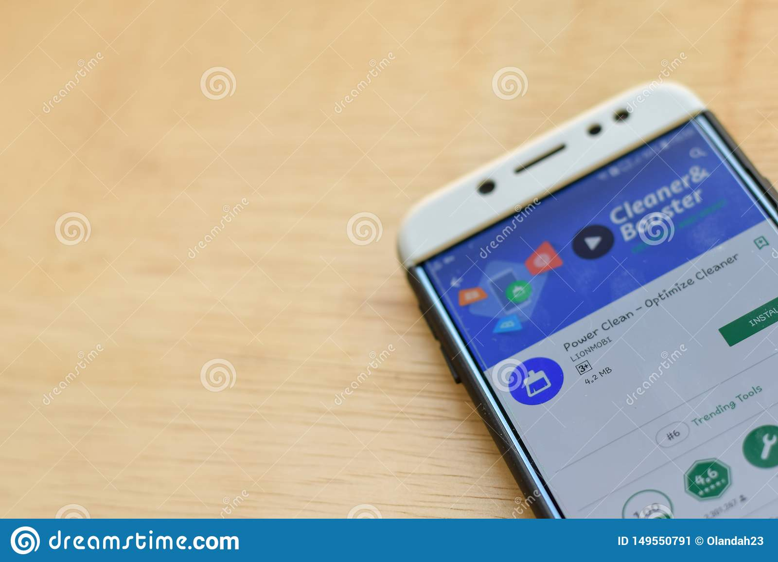 Władza Czysta - Optymalizuje Czystego dev zastosowanie na Smartphone ekranie Władza Czysta jest freeware przeglądarką internetową