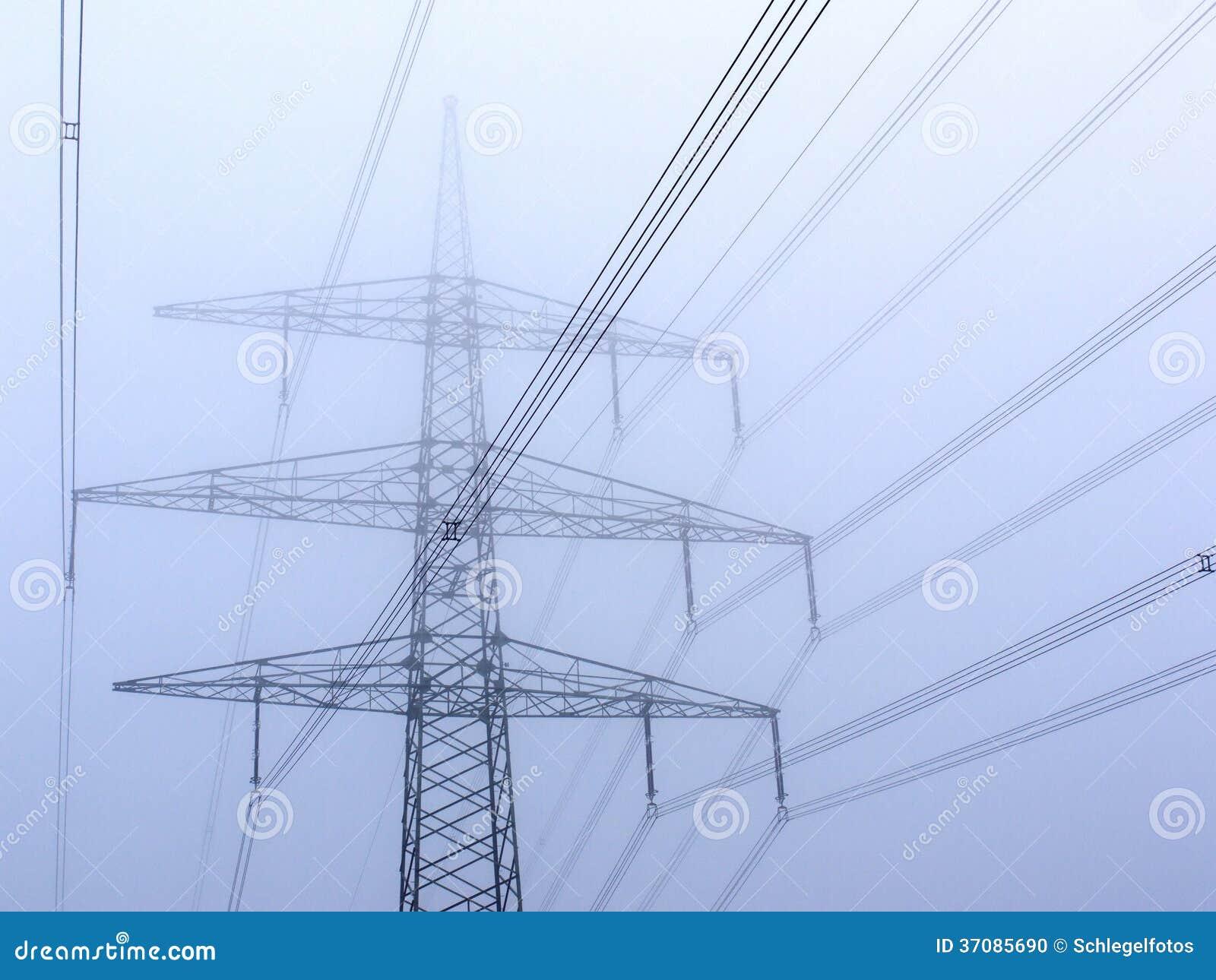Download Władza słup w mgle zdjęcie stock. Obraz złożonej z władza - 37085690