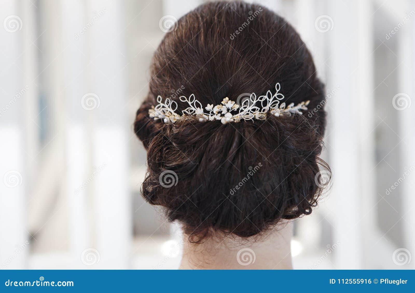 Włosiana biżuterii panna młoda