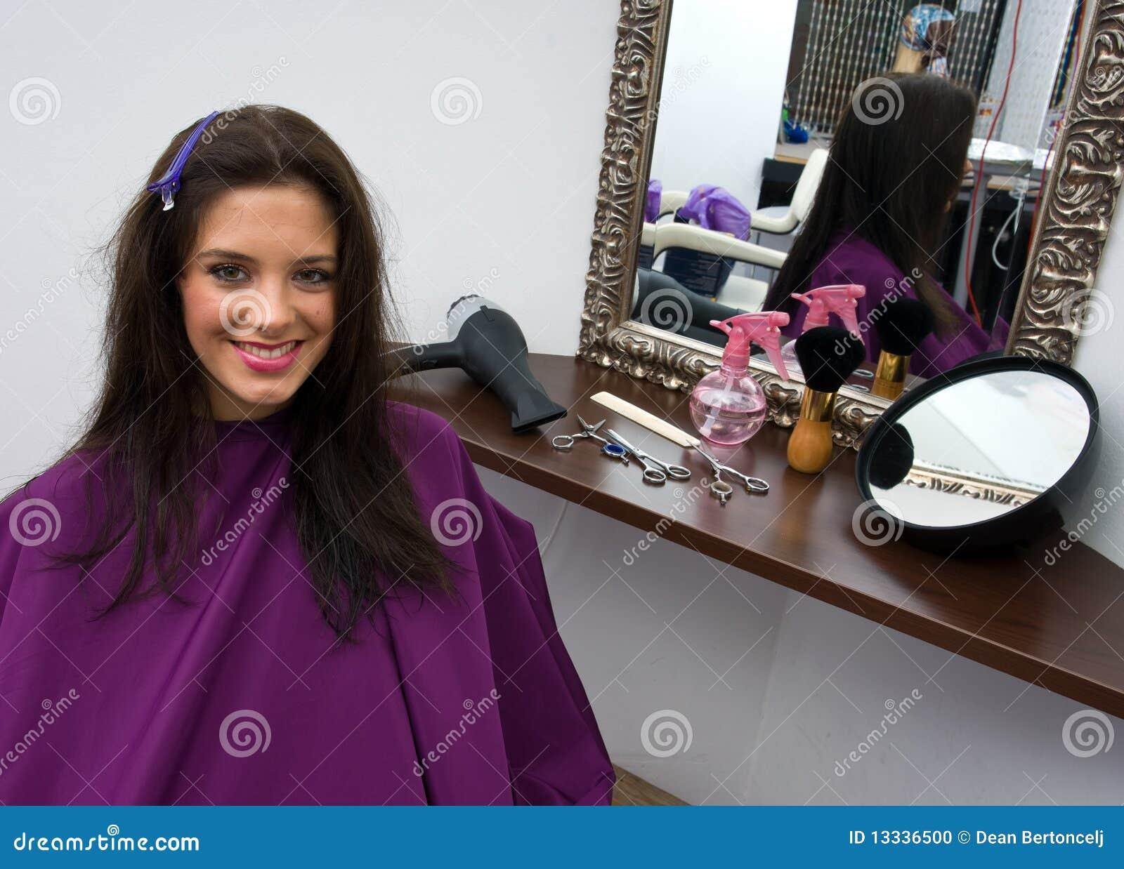Włosianego salonu kobieta
