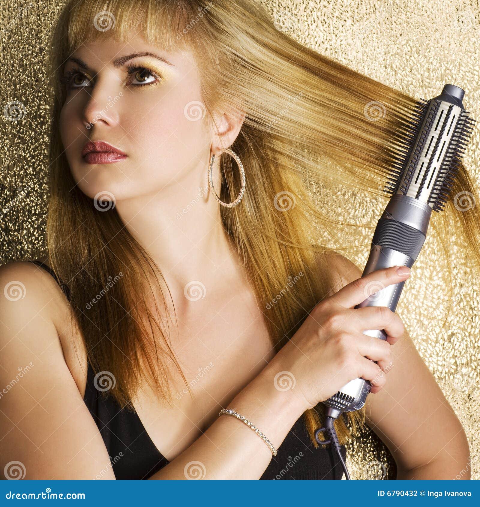 Włosy jej tytułowanie kobieta