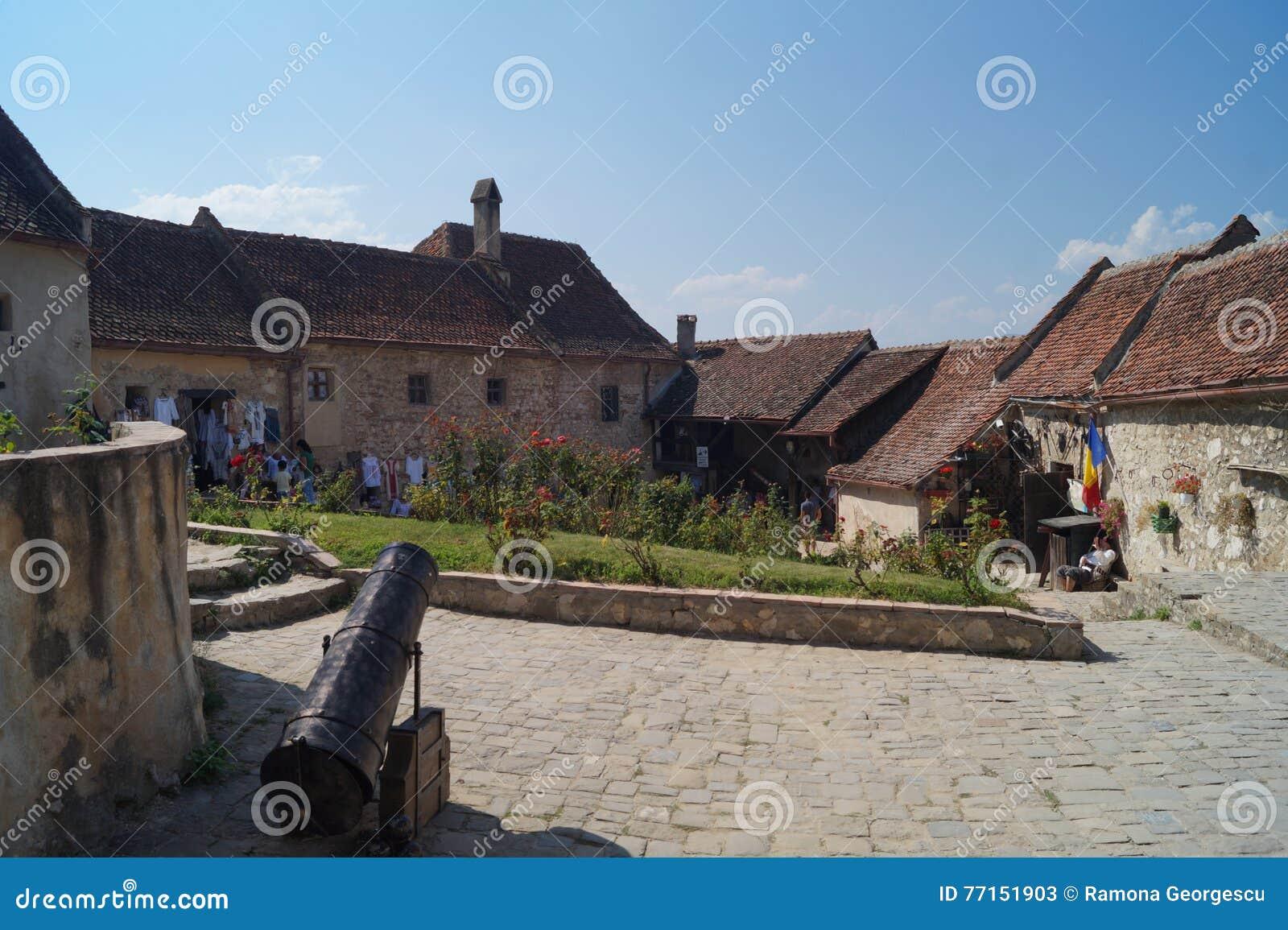 Wśrodku fortecznego Rasnov, Rumunia