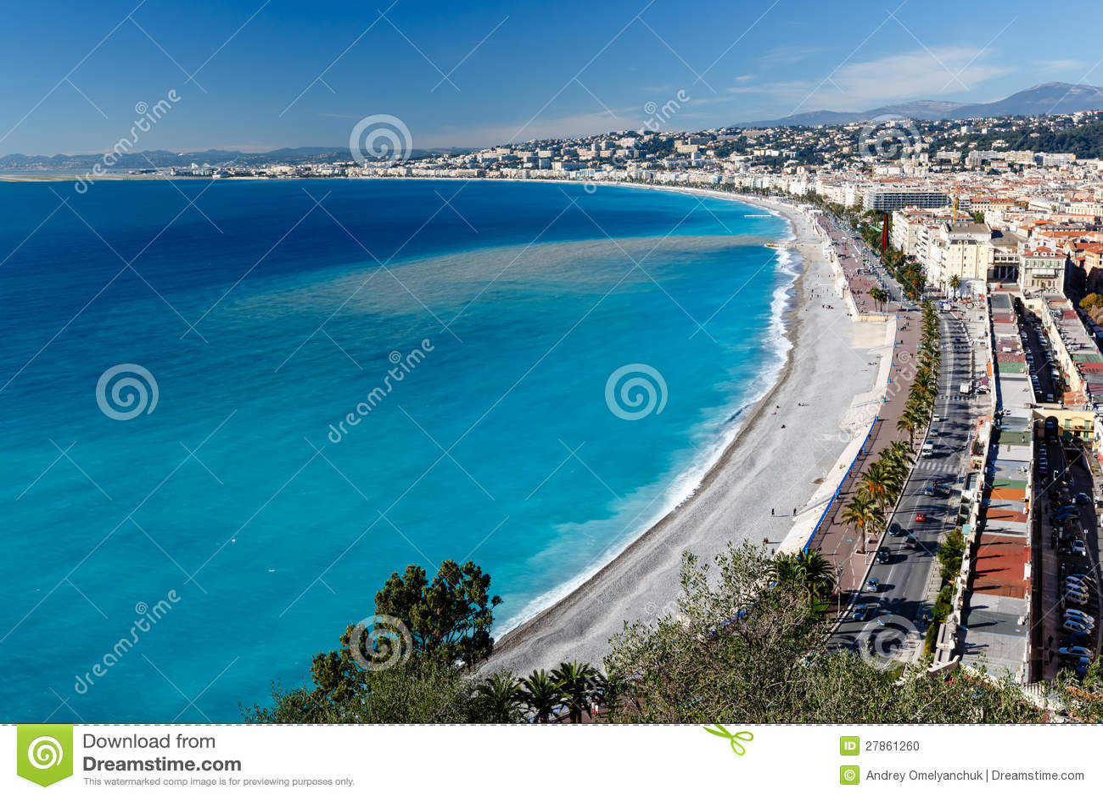W Ładnym deptaka des Anglais i Piękna Plaża