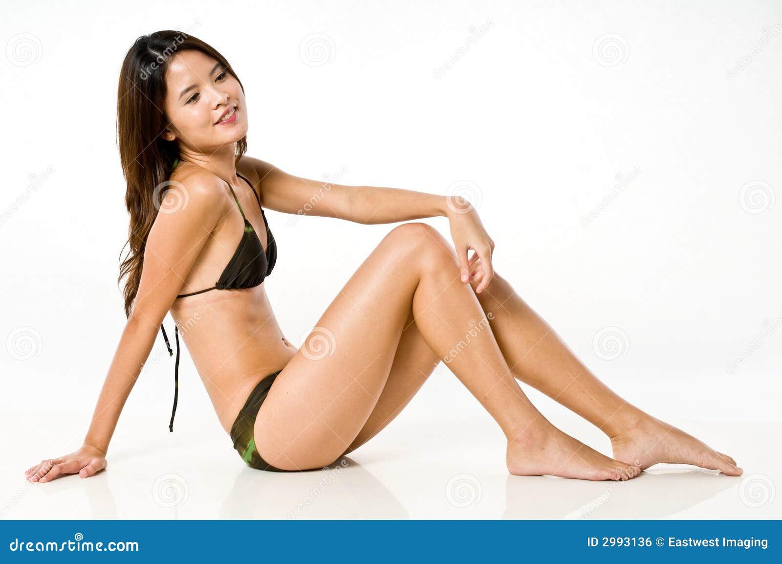 W Bikini azjatycka Kobieta