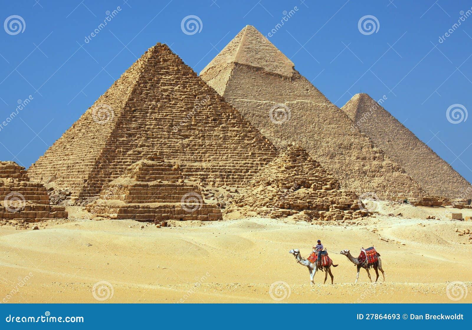 W Egipt ostrosłupy