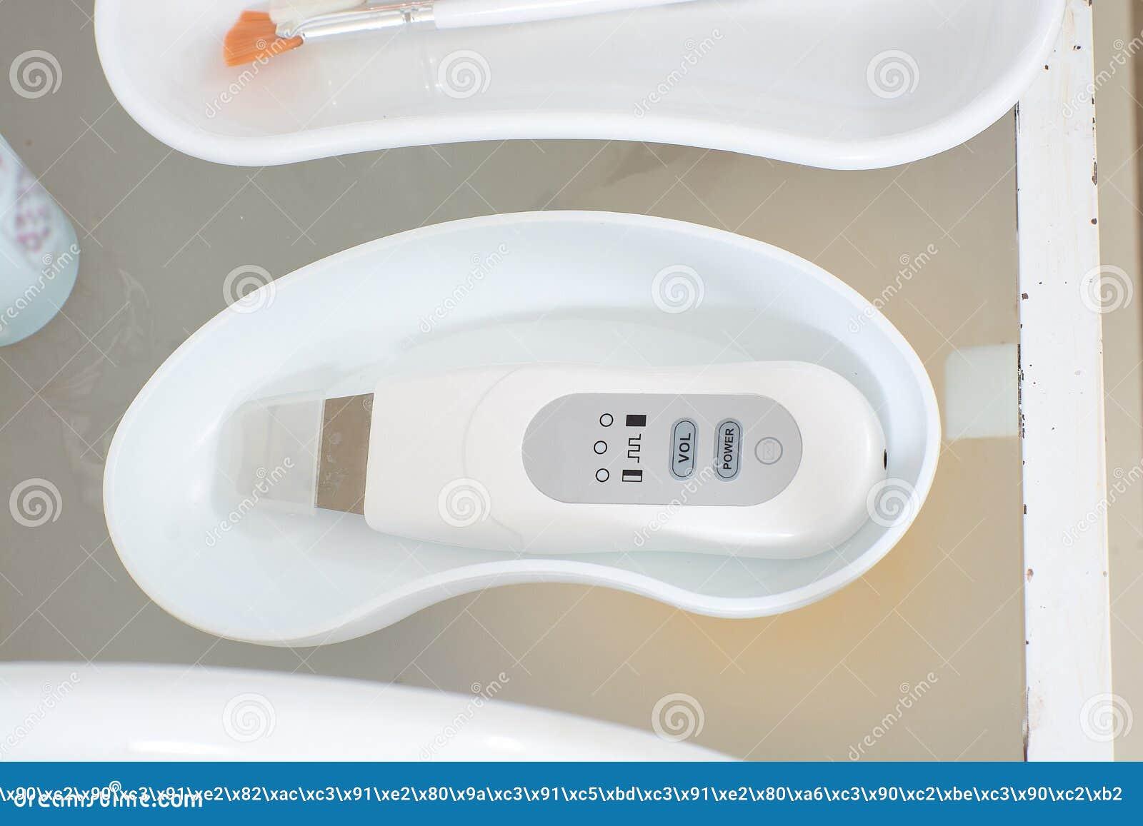 W górę widoku medyczni narzędzia dla strugać i twarzowy czyścić