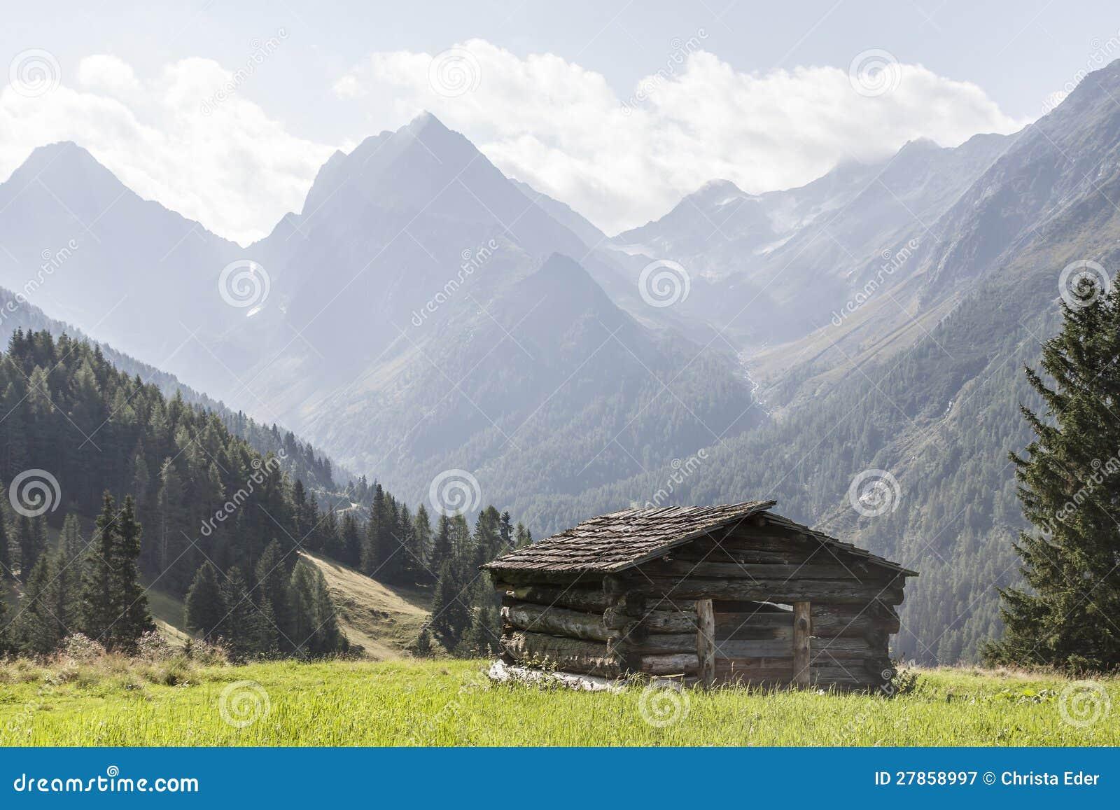 W Lesach Dolinie siano buda