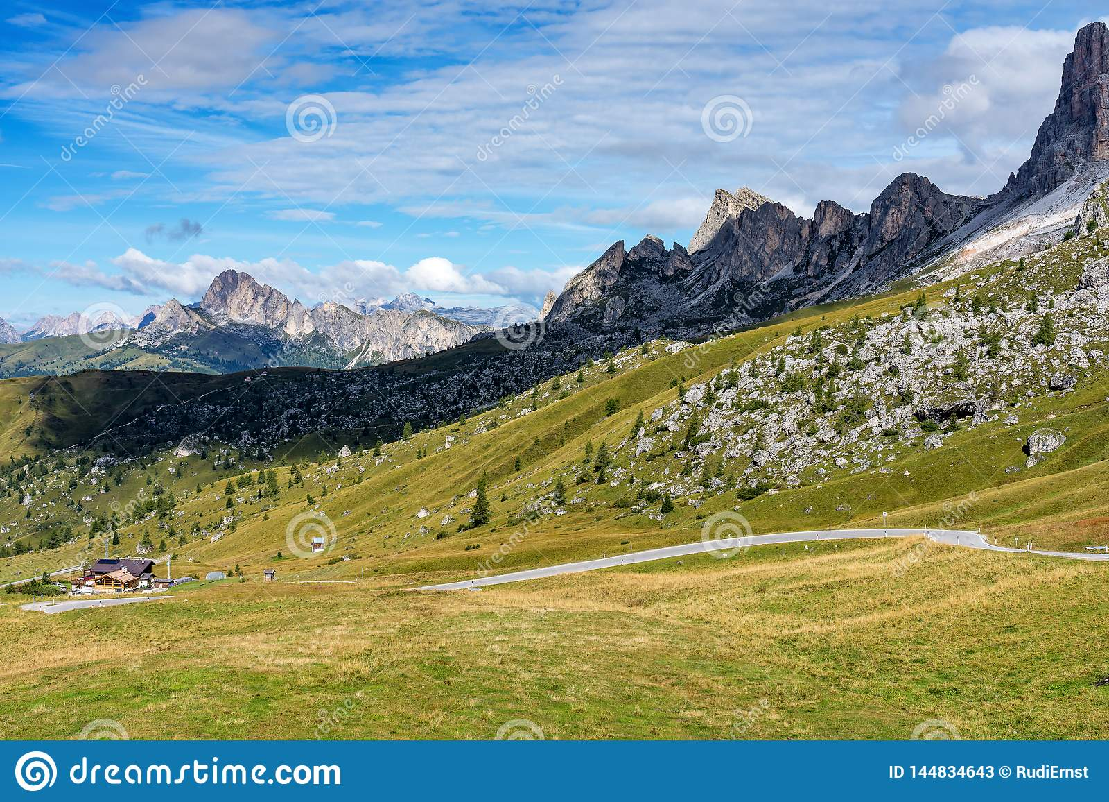 W?ochy dolomit?w moutnain - Passo Di Giau w Po?udniowym Tyrol