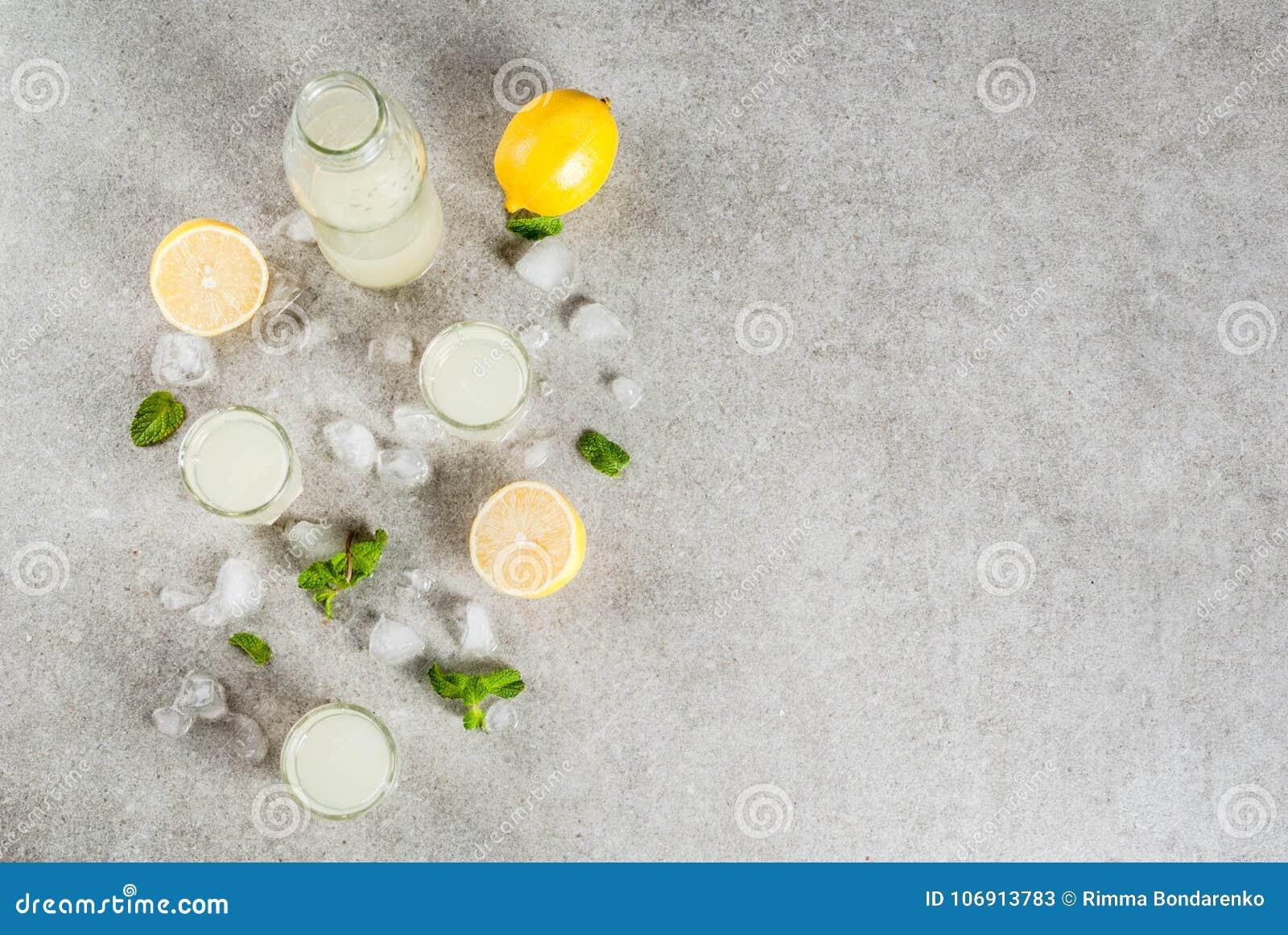 Włoski ajerkoniaka limoncello