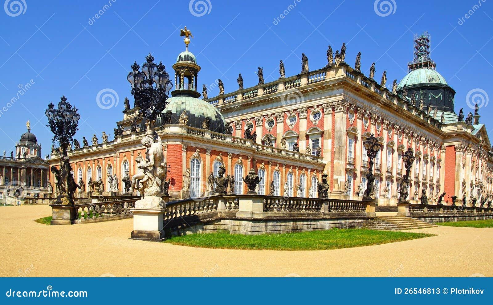 W Potsdam Sanssouci pałac, Niemcy.