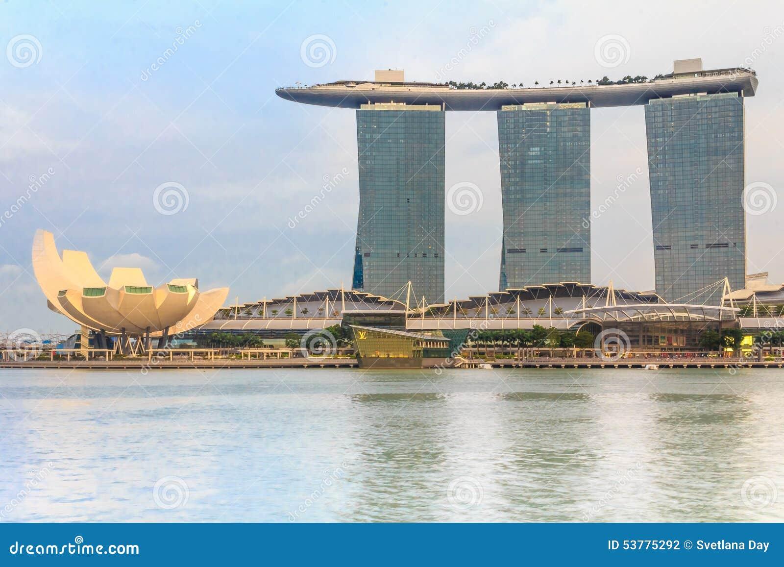 W Singapur Helix Most