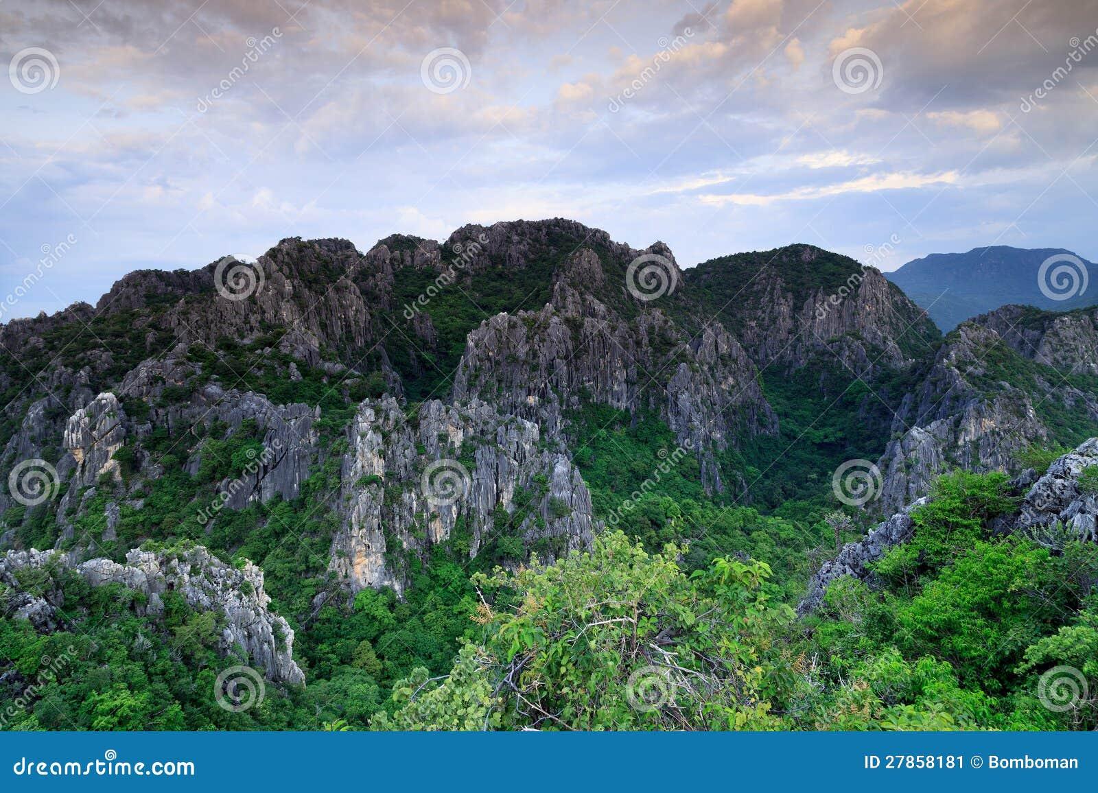 W Tajlandia góra szczyt