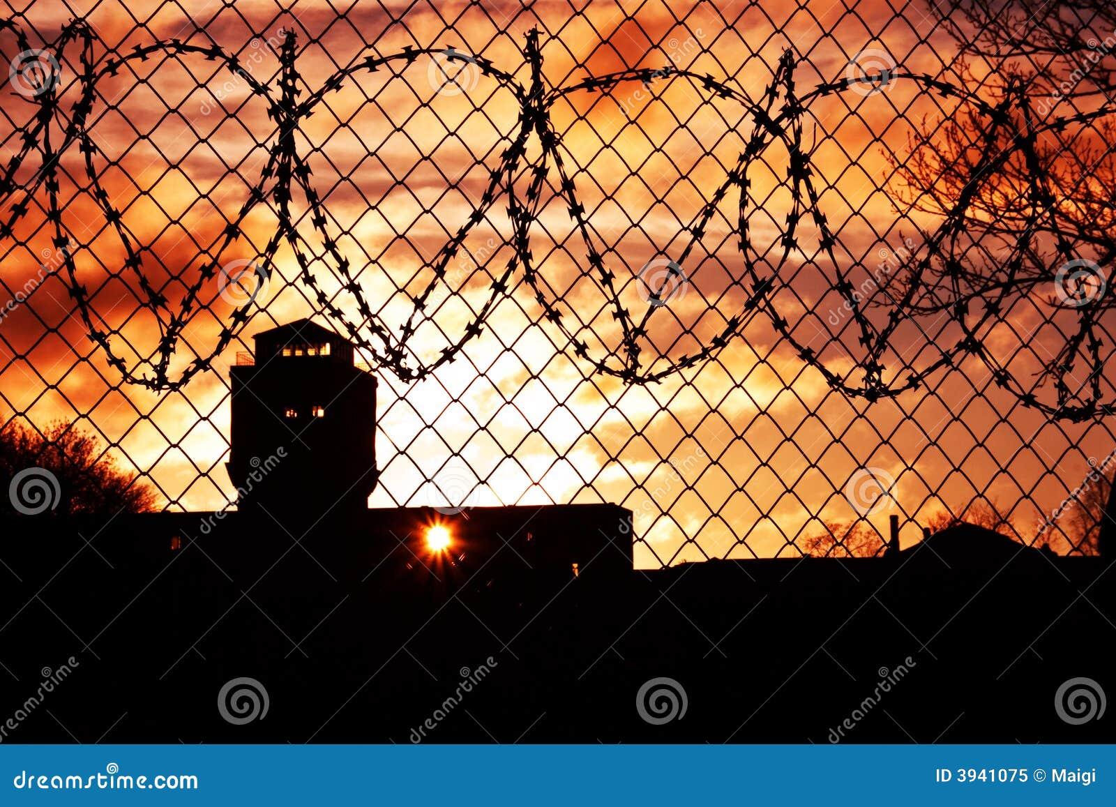 W więziennym sunset yard