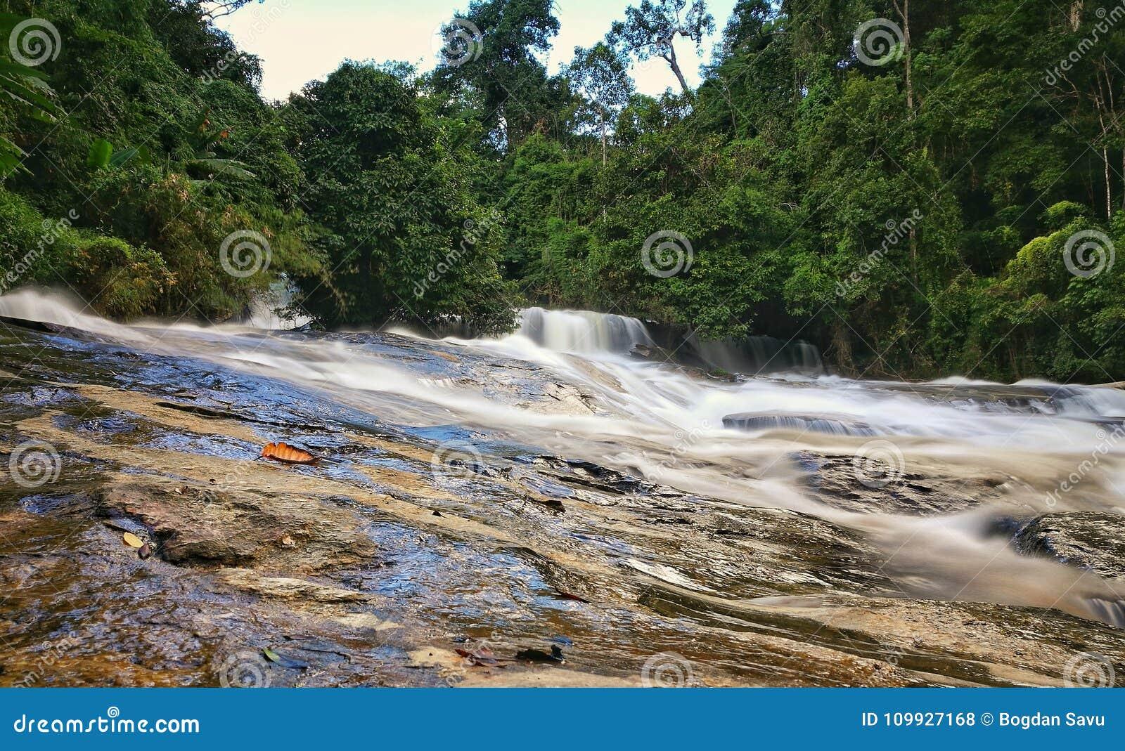 Wachirathan瀑布土井Inthanon国家公园,清迈, Tha