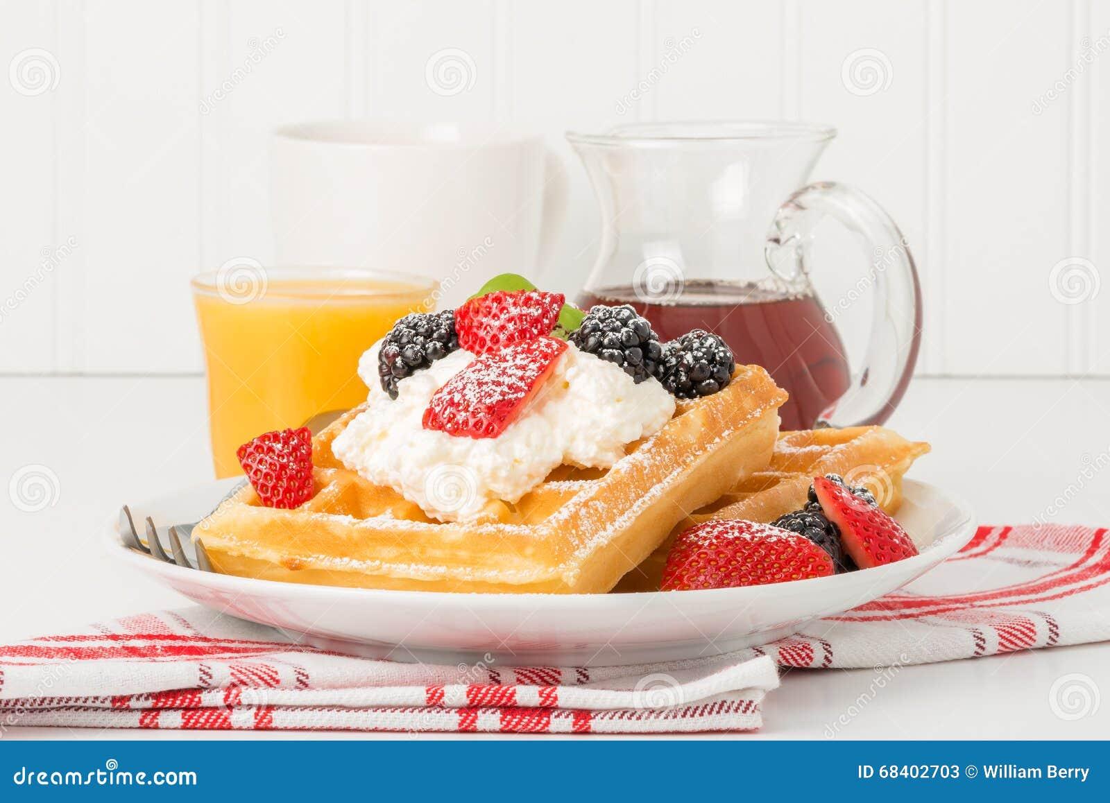 Waffles с ягодами