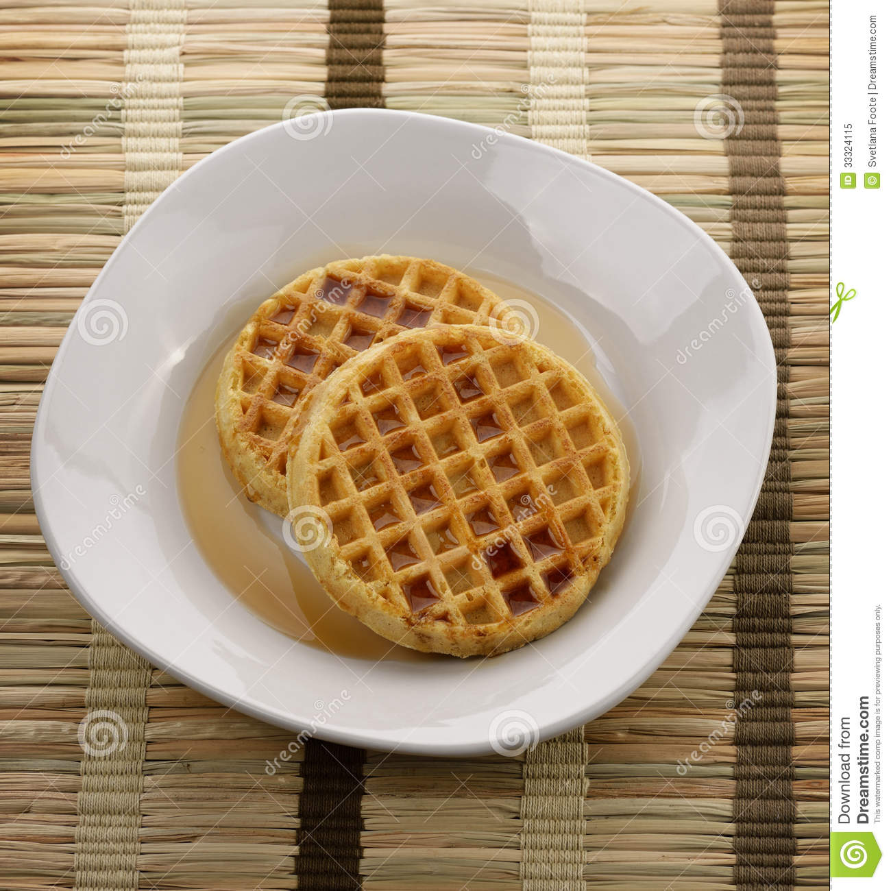 Waffles With Maple Syrup Royalty Free Stock Photo - Image: 33324115
