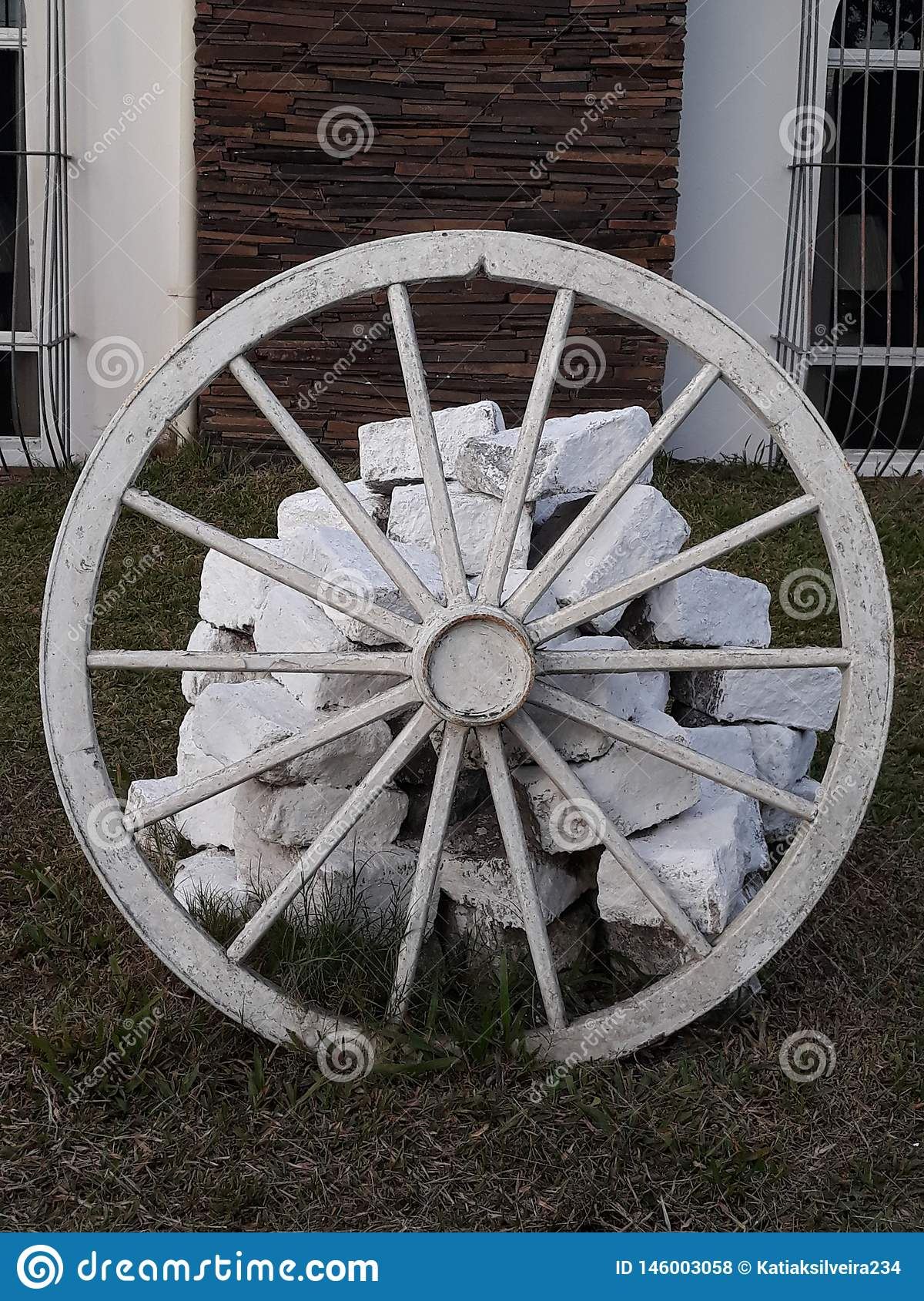 992 Wheel Decorating Photos Free Royalty Free Stock Photos From Dreamstime