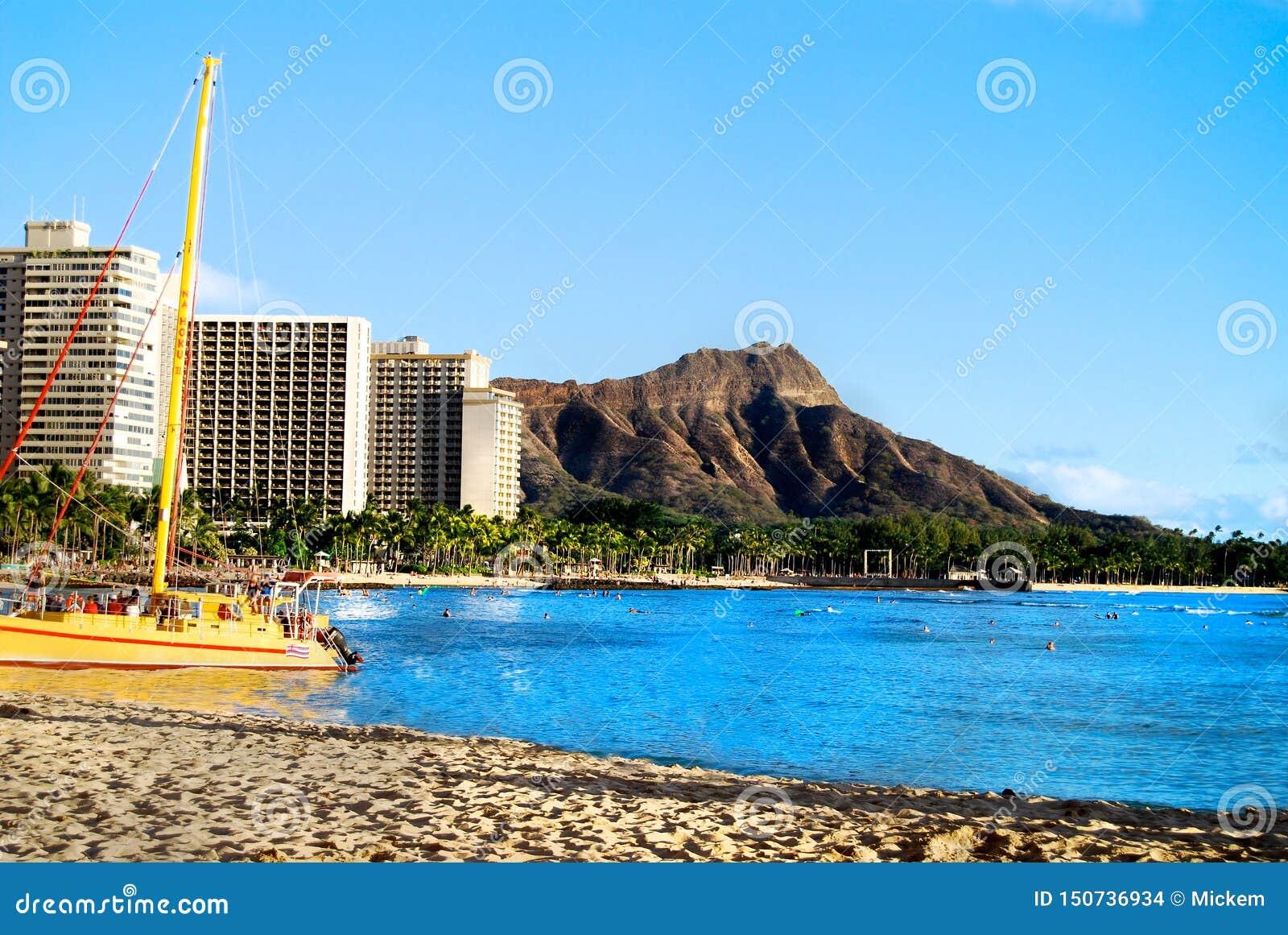 Waikiki Beach With View Of Diamond Head Hawaii Oahu