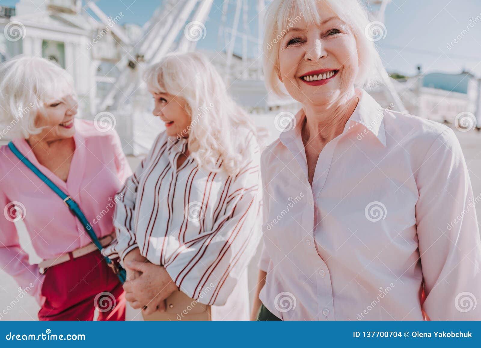 Agree, very older women fun