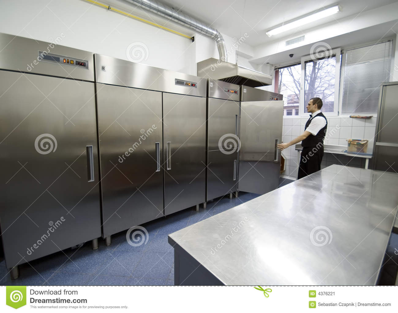 Waiter and fridges