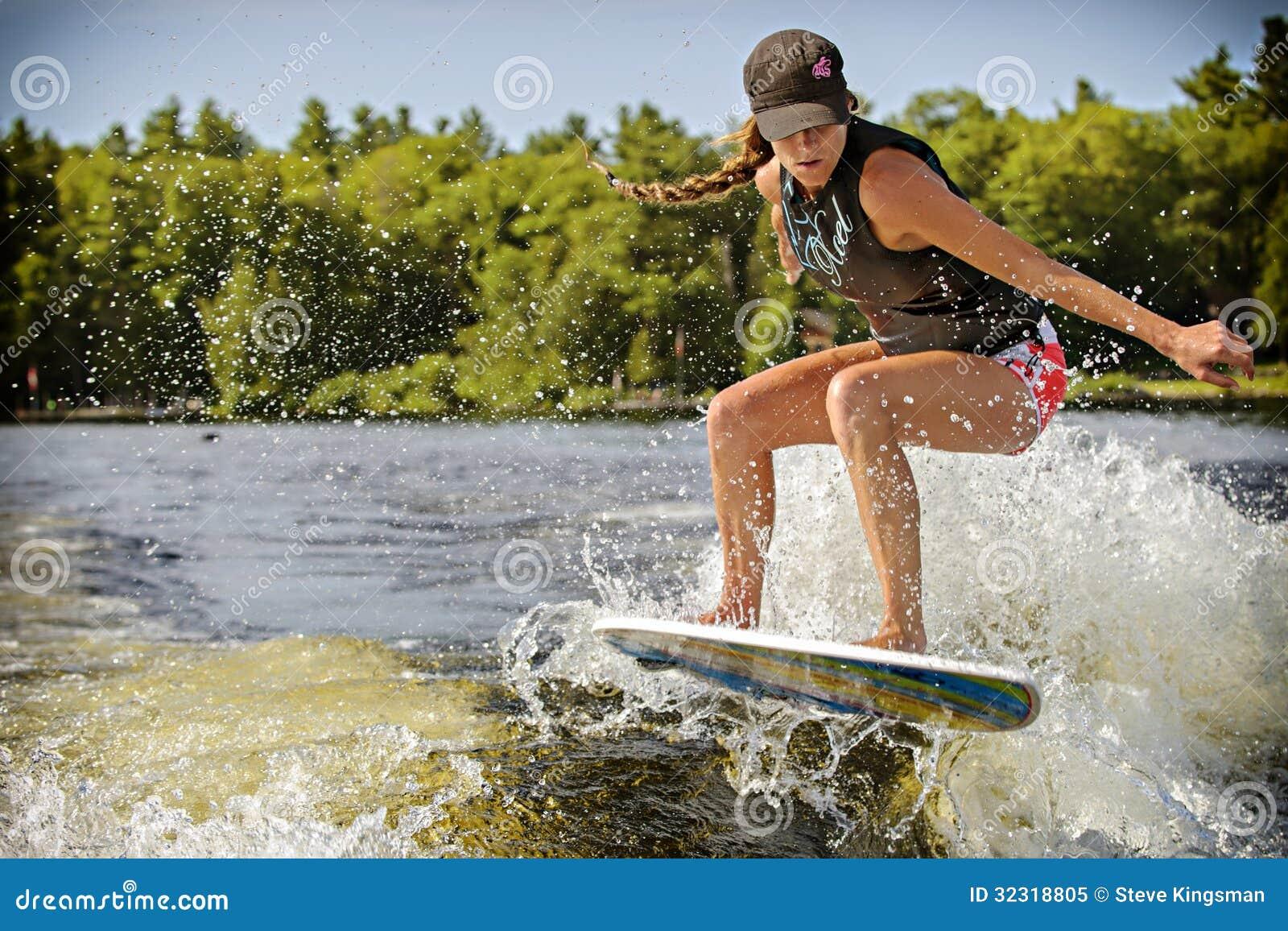 how to start wake surfing