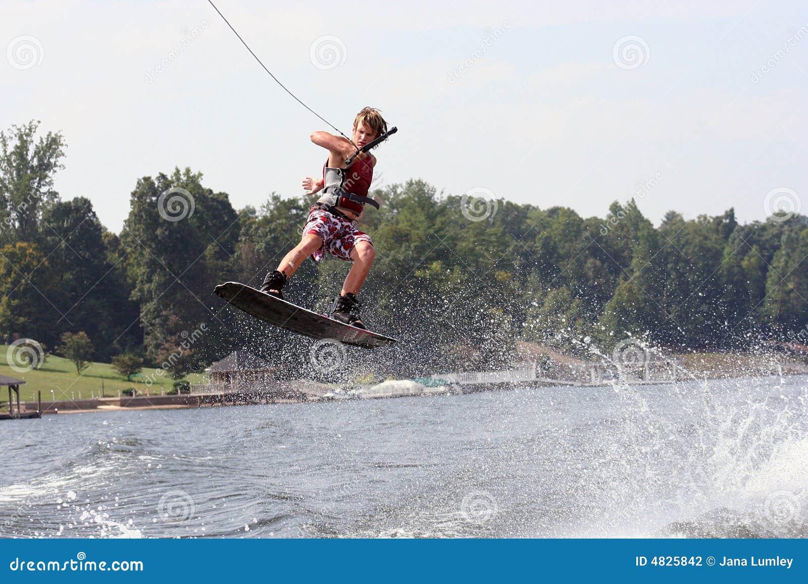Wakeboard Sprung