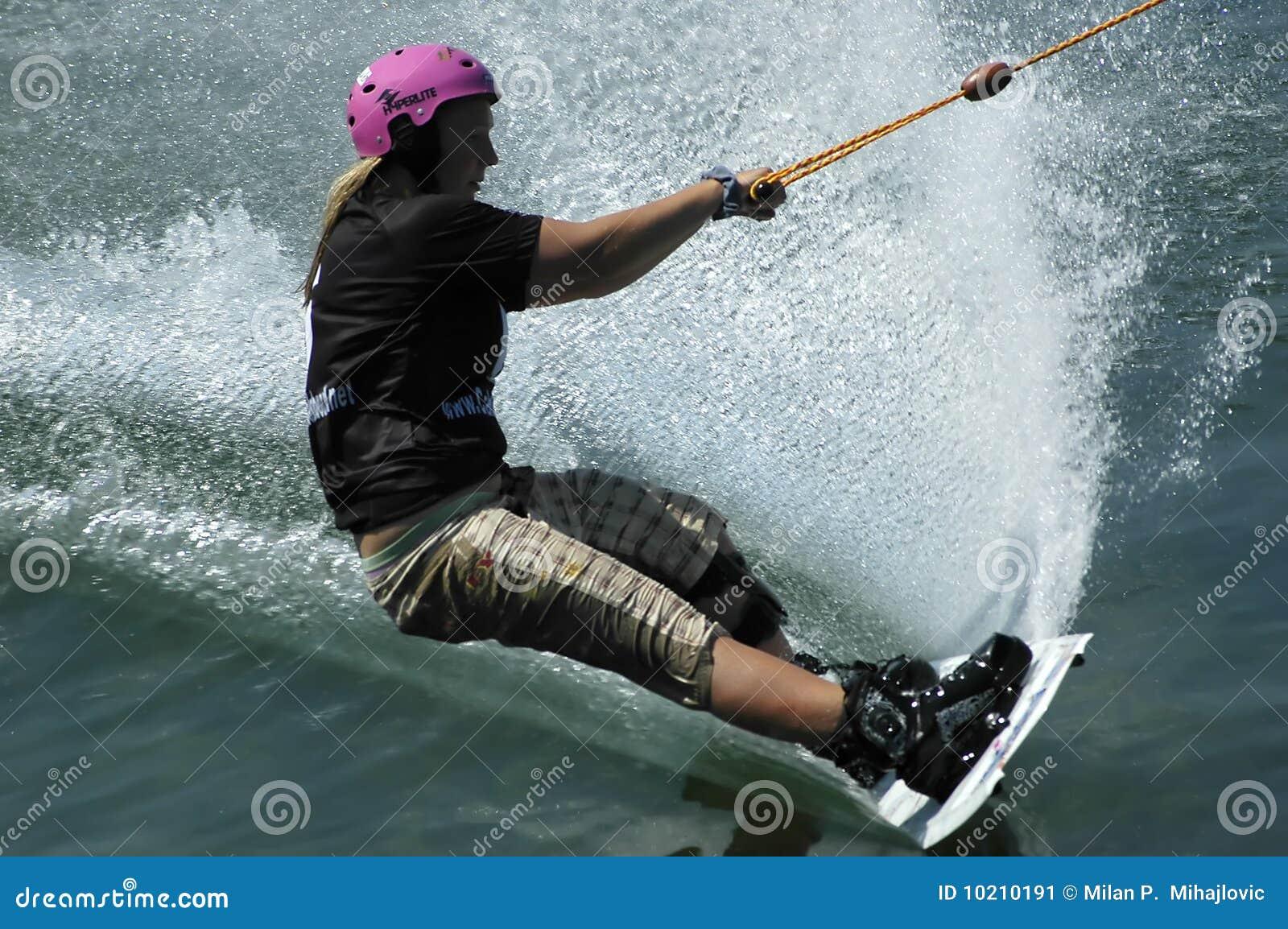 Wakeboarder na ação