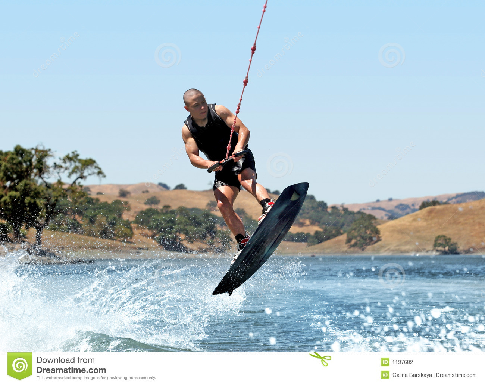 Wakeboarding no lago